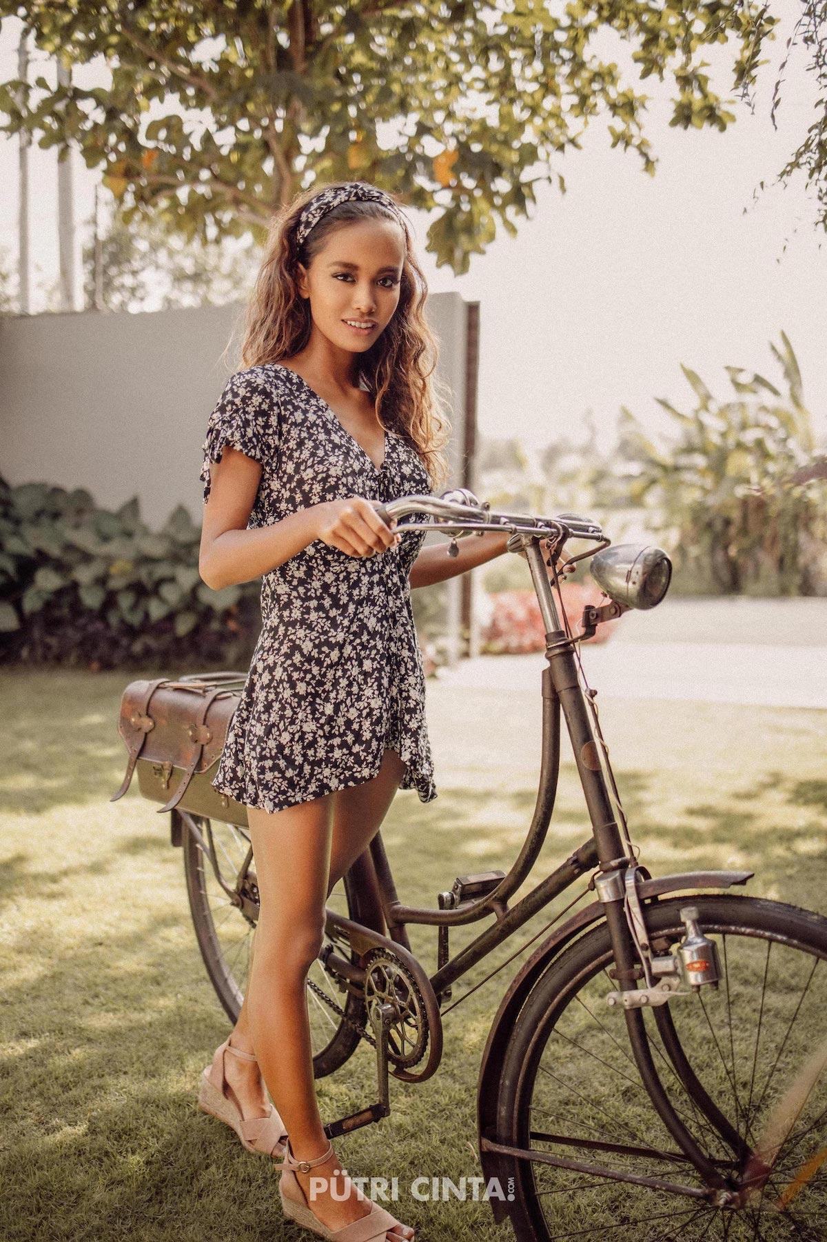 024-Putri-Cinta-Cycling-Commando-photoset-15.jpg