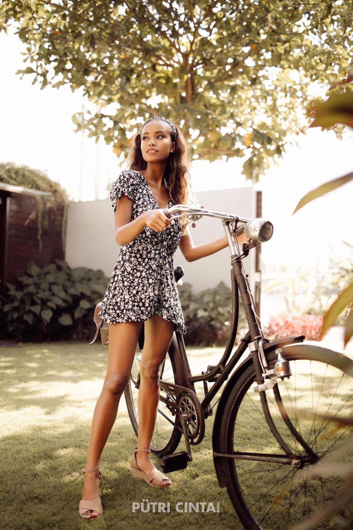 024-Putri-Cinta-Cycling-Commando-photoset-23.jpg