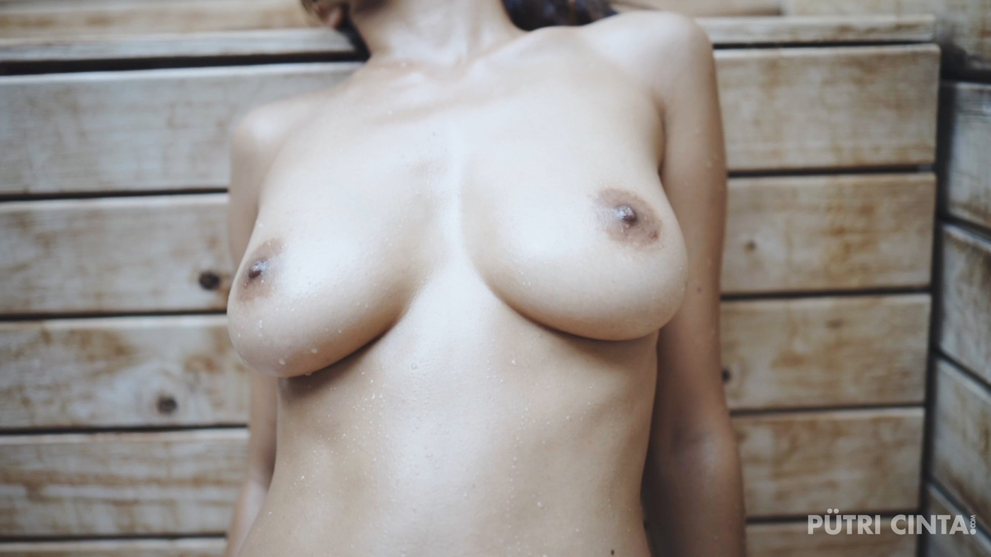 Putri-Cinta-032-Hot & Steamy-MainVidstills-39.jpg