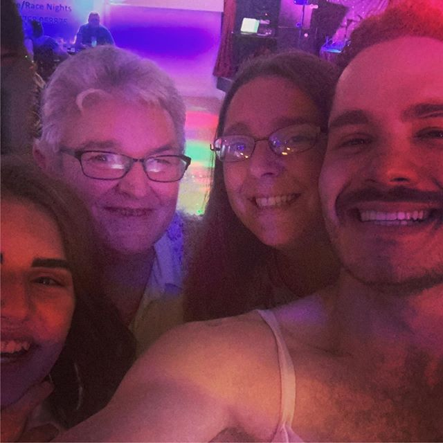 Bristol Manor Farm Social Club, I love you! Thank's so much for having me. Special shout out to these beautiful ladies who shared a very special moment with me during the show. 🥰 #queen #freddiemercury #adamlambert #loveofmylifequeen