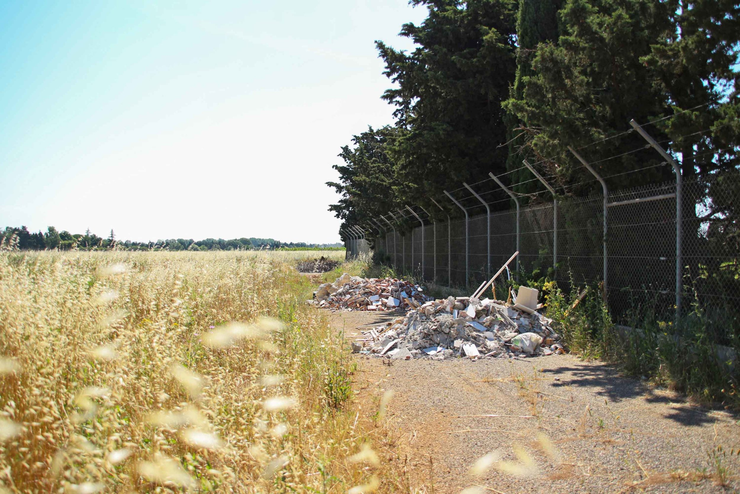 Migropoli_City Gate_Garbage-02.jpg