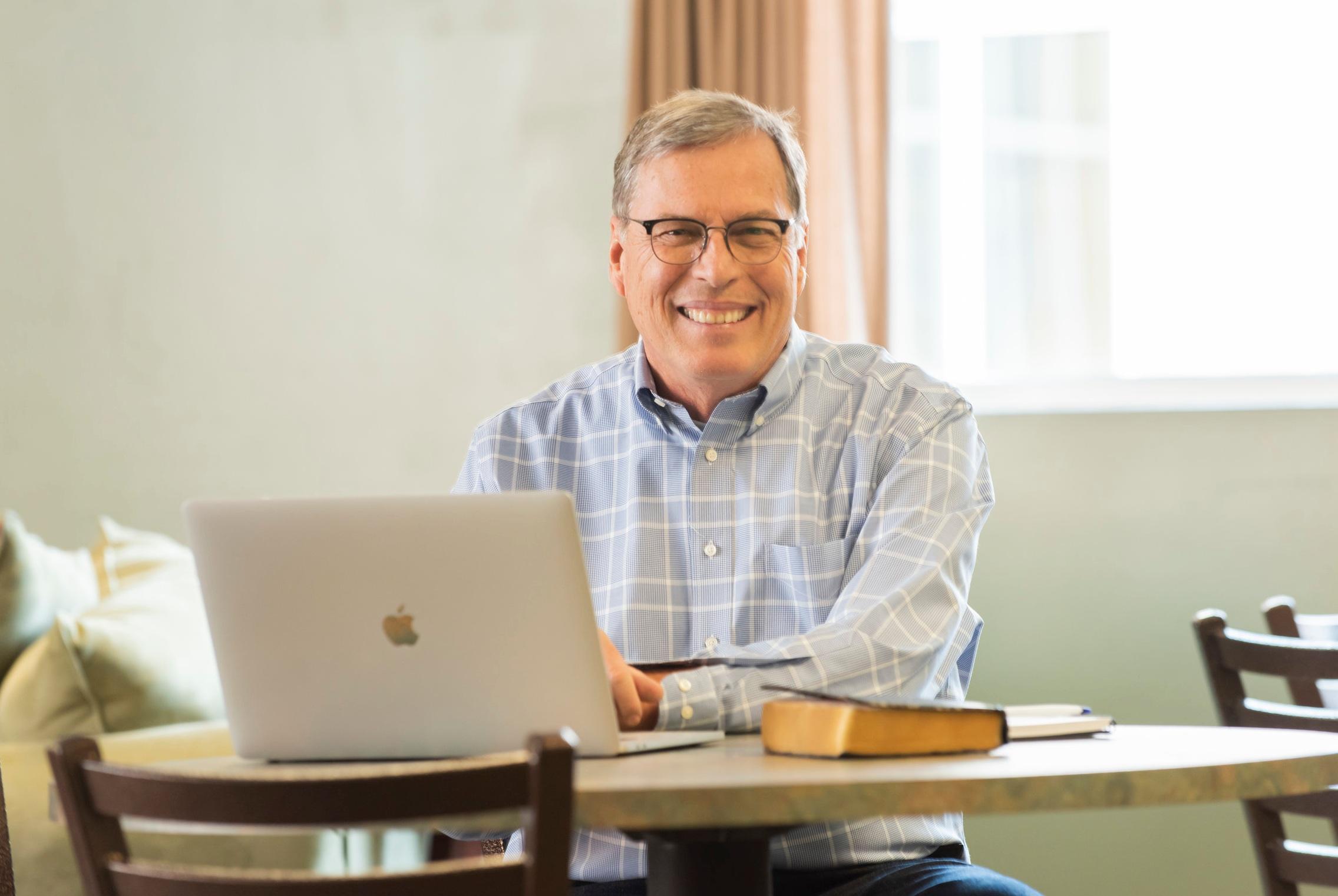 Dave DeSelm offers online resources for pastors.