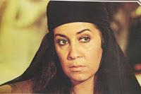 Mona Wassef dans le rôle de Hind Bint Ataba dans le film Rissala portant le  kheemar  et elle n'a jamais été musulmane dans le film