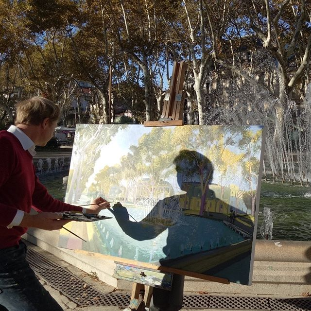Painting the fountain outside Musée Fabre. Looking forward to seeing all these paintings together in my show next week at Panter & Hall #museefabre #fountain #painting #artcollector #artwork #peoplelookingatart #artwatchers  #artlovers #oilpainting #contemporaryrealism #impressionism #oiloncanvas #artist #pleinair #pleinairpainting #britishart #artoftheday #londonartscene #mediterranean #montpellier #visitmontpellier #herault #hérault #southoffrance #france #plaisirsdherault  #landscapepainting #arthistory #artappreciation #drawinganatomyandart  @panterandhall