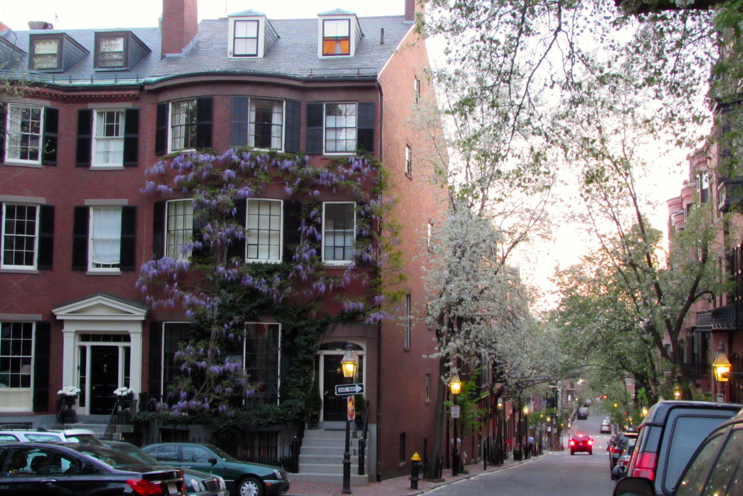Boston: the Athens of America - A Walking Tour of Beacon Hill