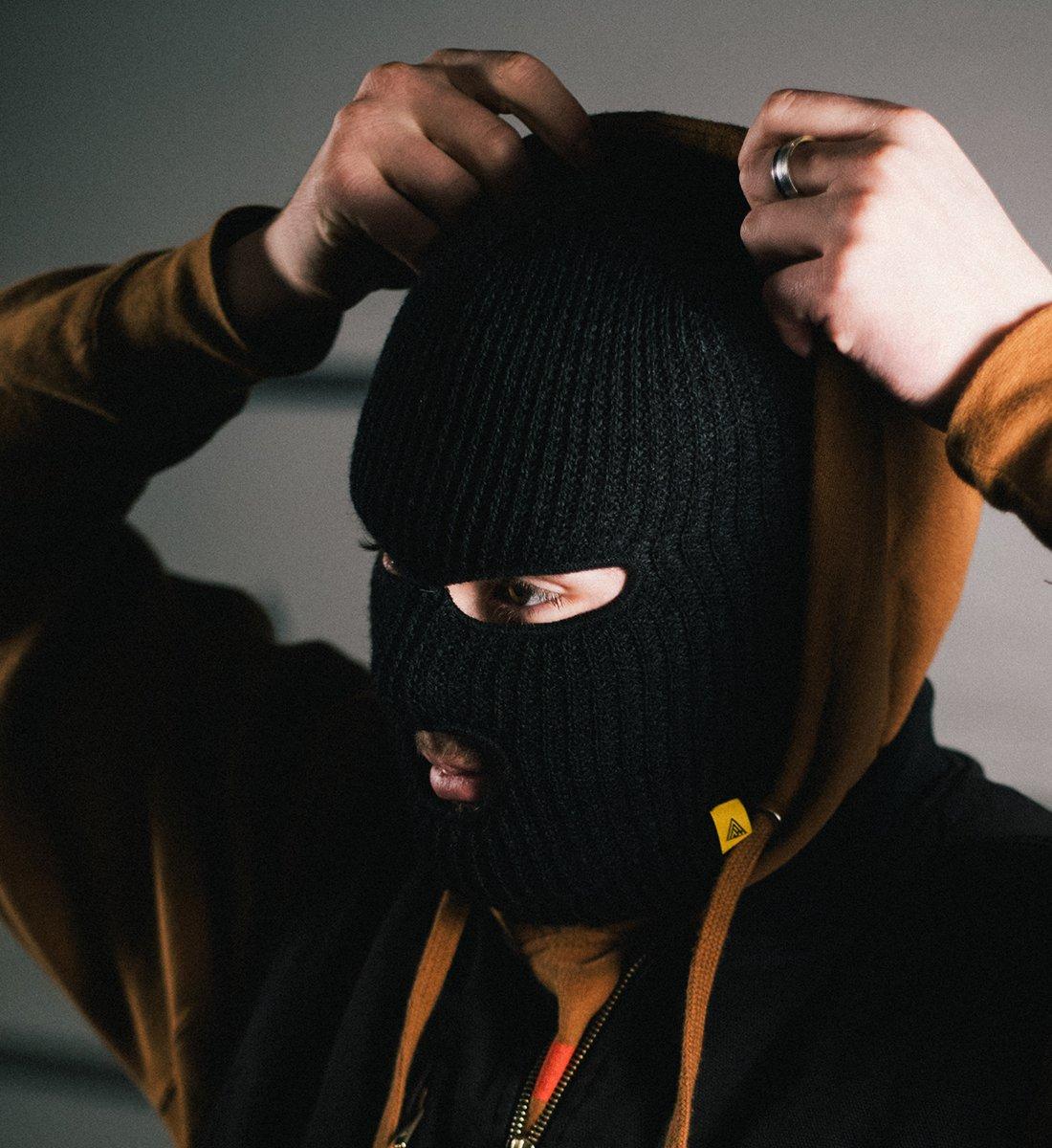 reeves-facemask-life-2_2000x.jpg