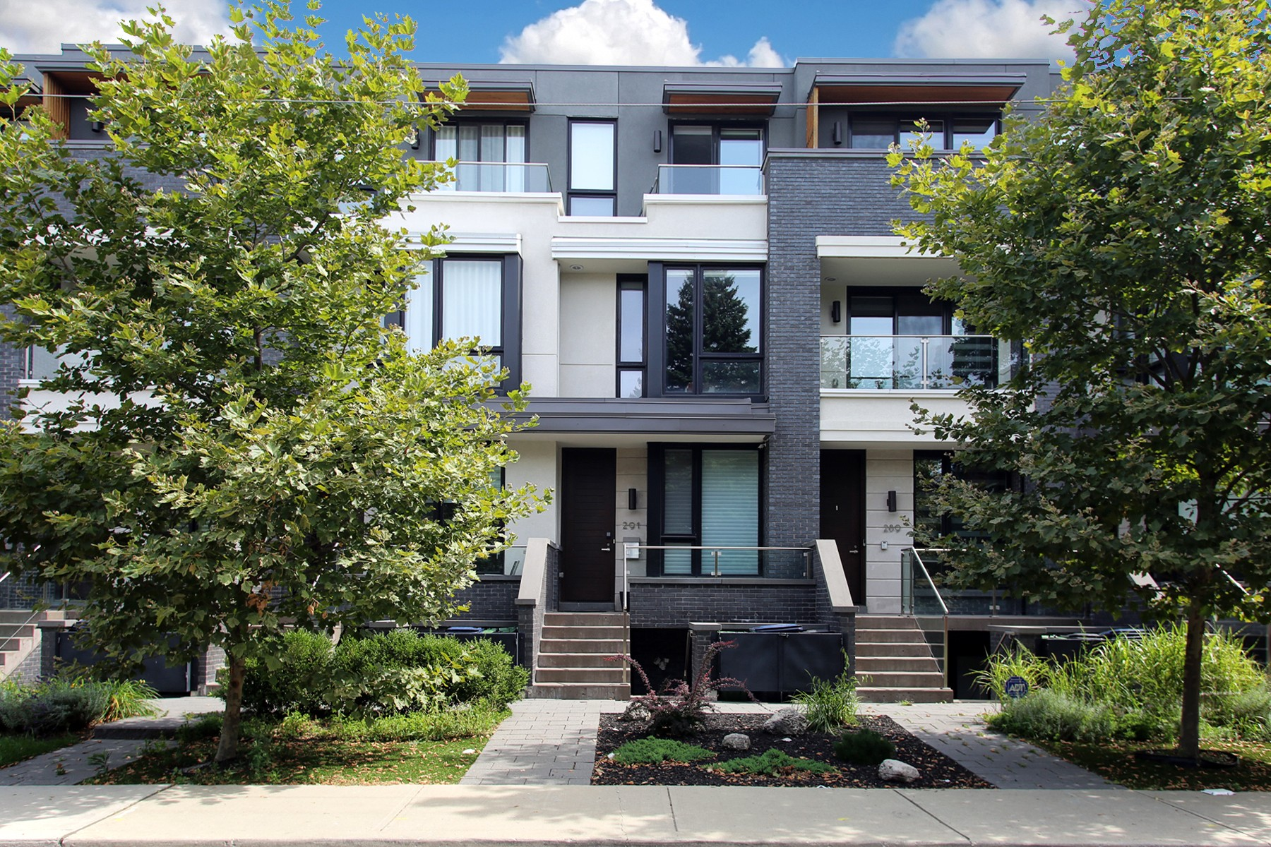 3 Bedroom Townhouse at Roxton Road