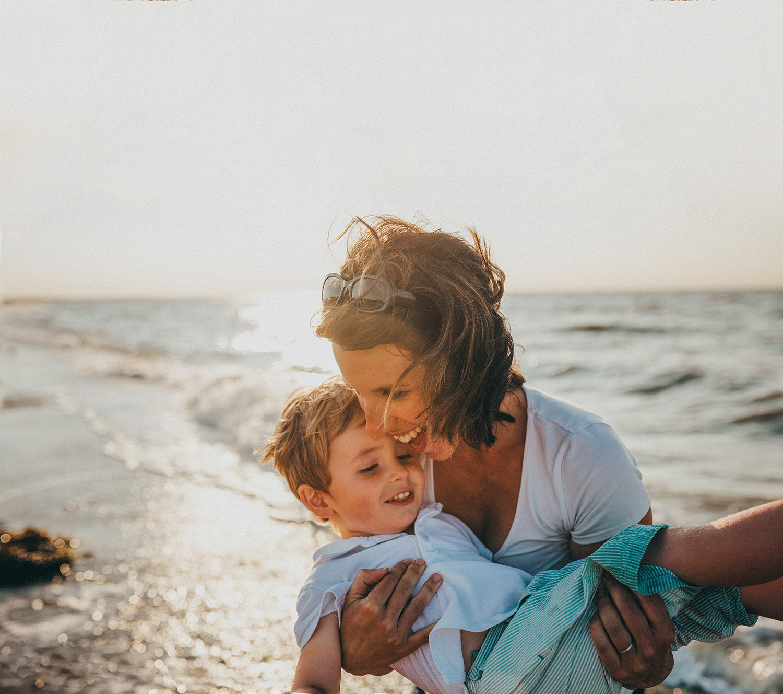 objetivo: apego seguro - moldeando seres humanos capaces de entrar en contacto con sus emociones para identificarlas y expresarlas con propiedad desde la infancia, nos aseguramos un mundo de adultos más funcionales, equilibrados, activos y capaces de ser felices aunque en su vida pasen por momentos en los que no se sientan bien.