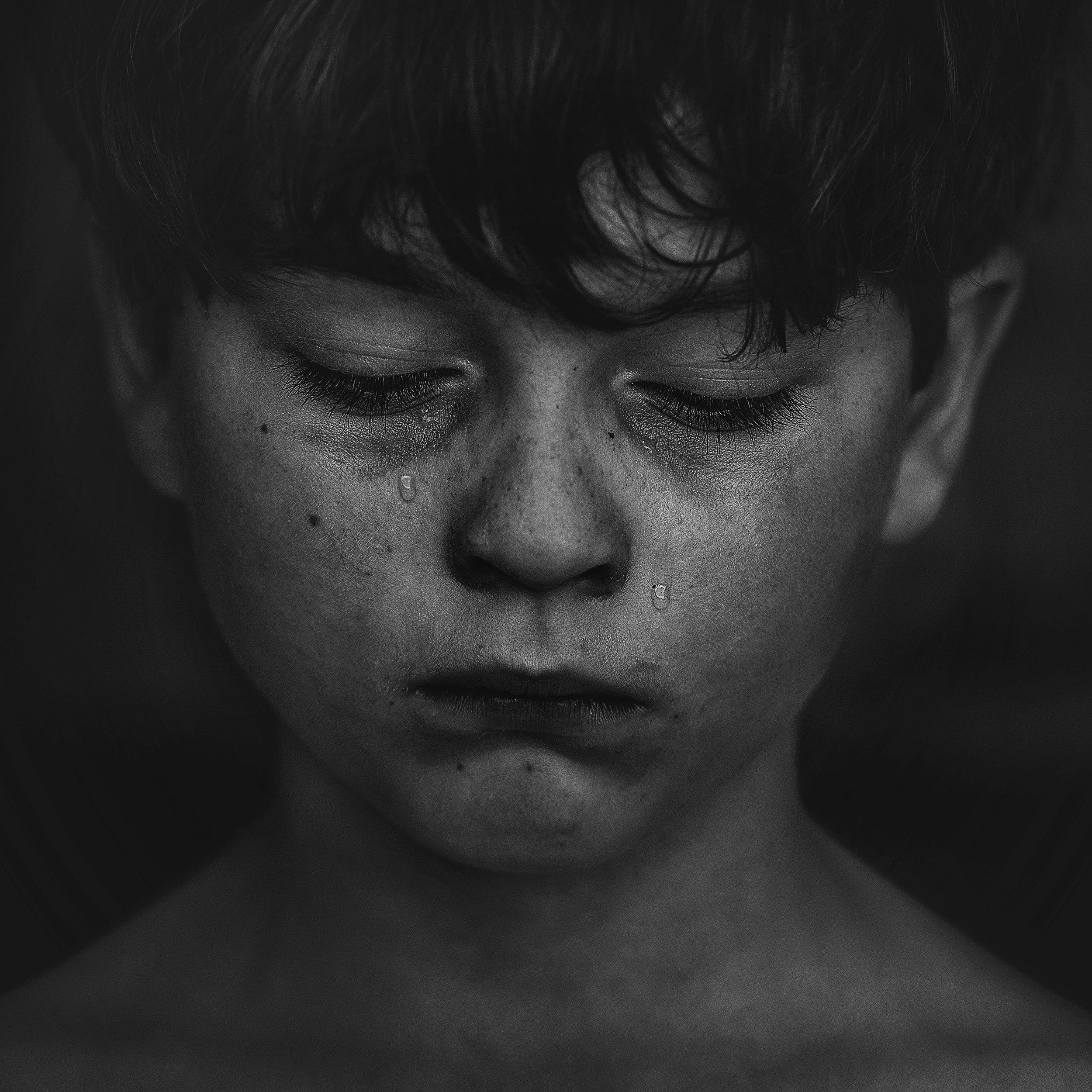 negligencia emocional en la infancia - Se trata del efecto que tiene el descuido emocional de los padres hacia los niños, quienes crecen en ambientes en los que no se les enseña a entrar en contacto, experimentar y comprender sus emociones.La negligencia emocional es una falta de atención a las emociones y los sentimientos de un niño, también de la ausencia de respuesta adecuada a los mismos.