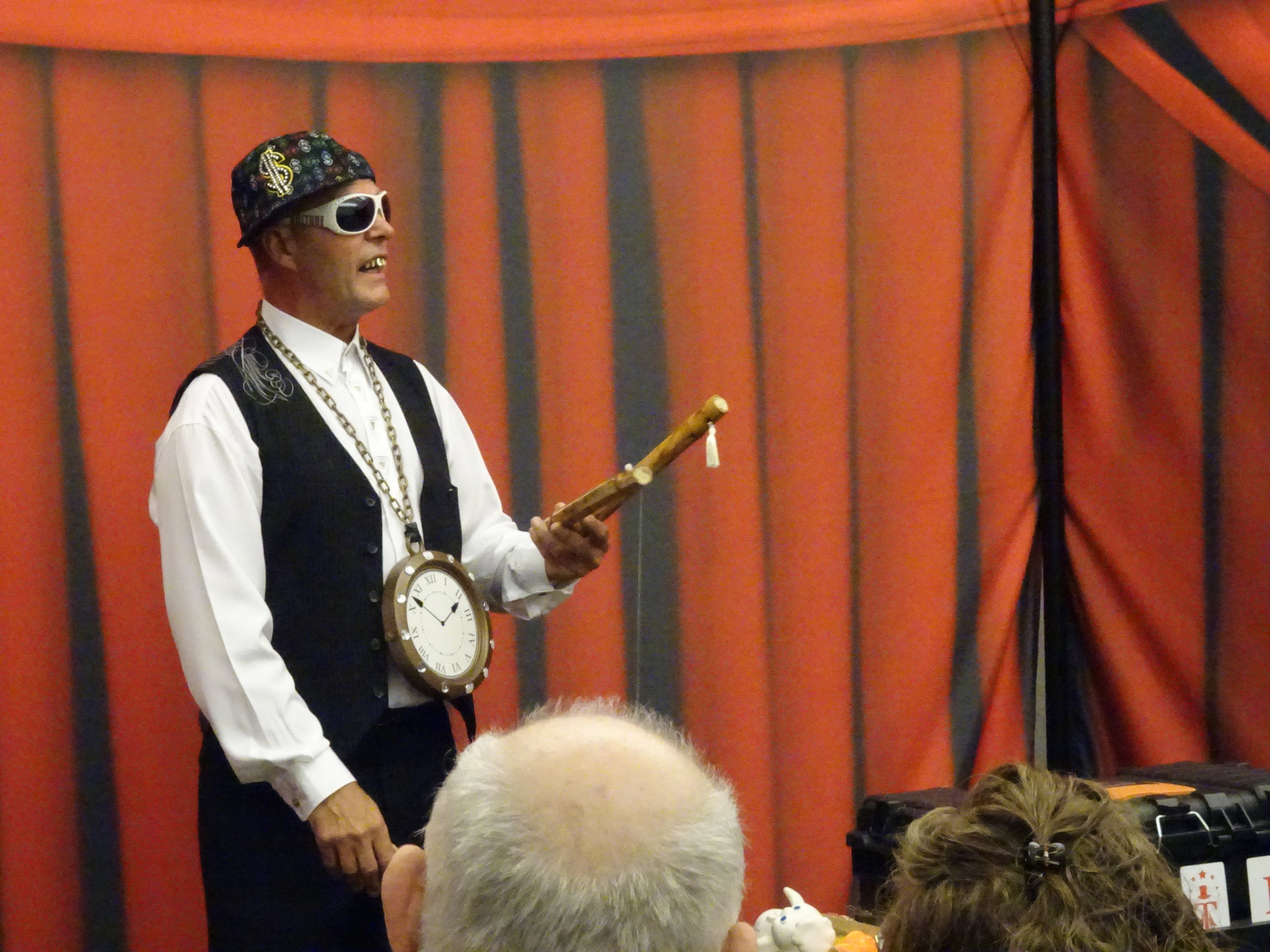 Ken McCreedy Rapping at Mystify Magic Show.JPG