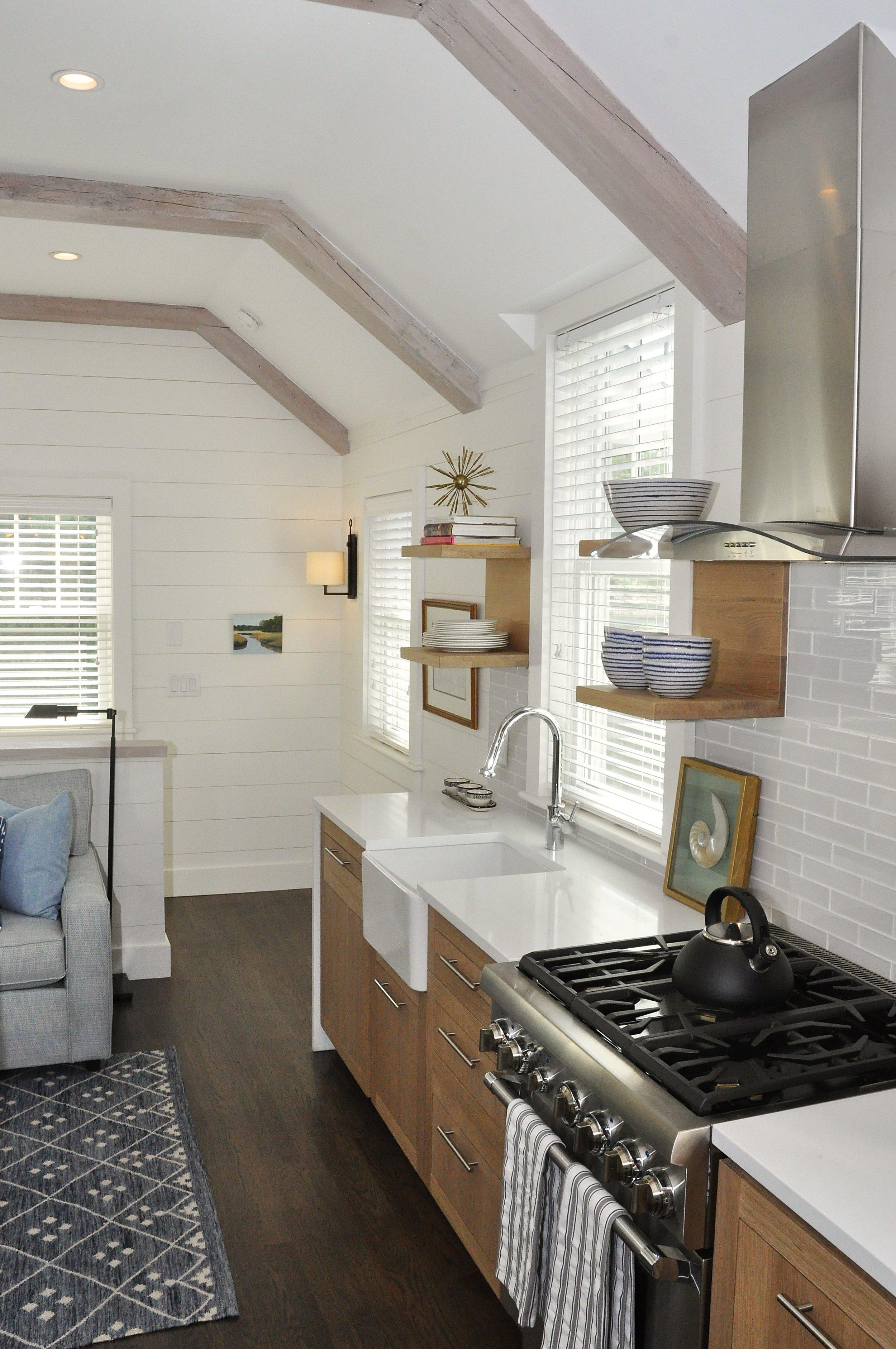 Modern_Farmhouse_Guest_Kitchen_Waterfall_Countertops.jpg