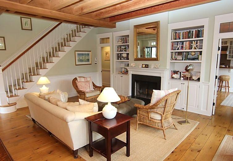 Exposed_Beam_Ceiling_Built_In_Shelving_Living_Room.jpg