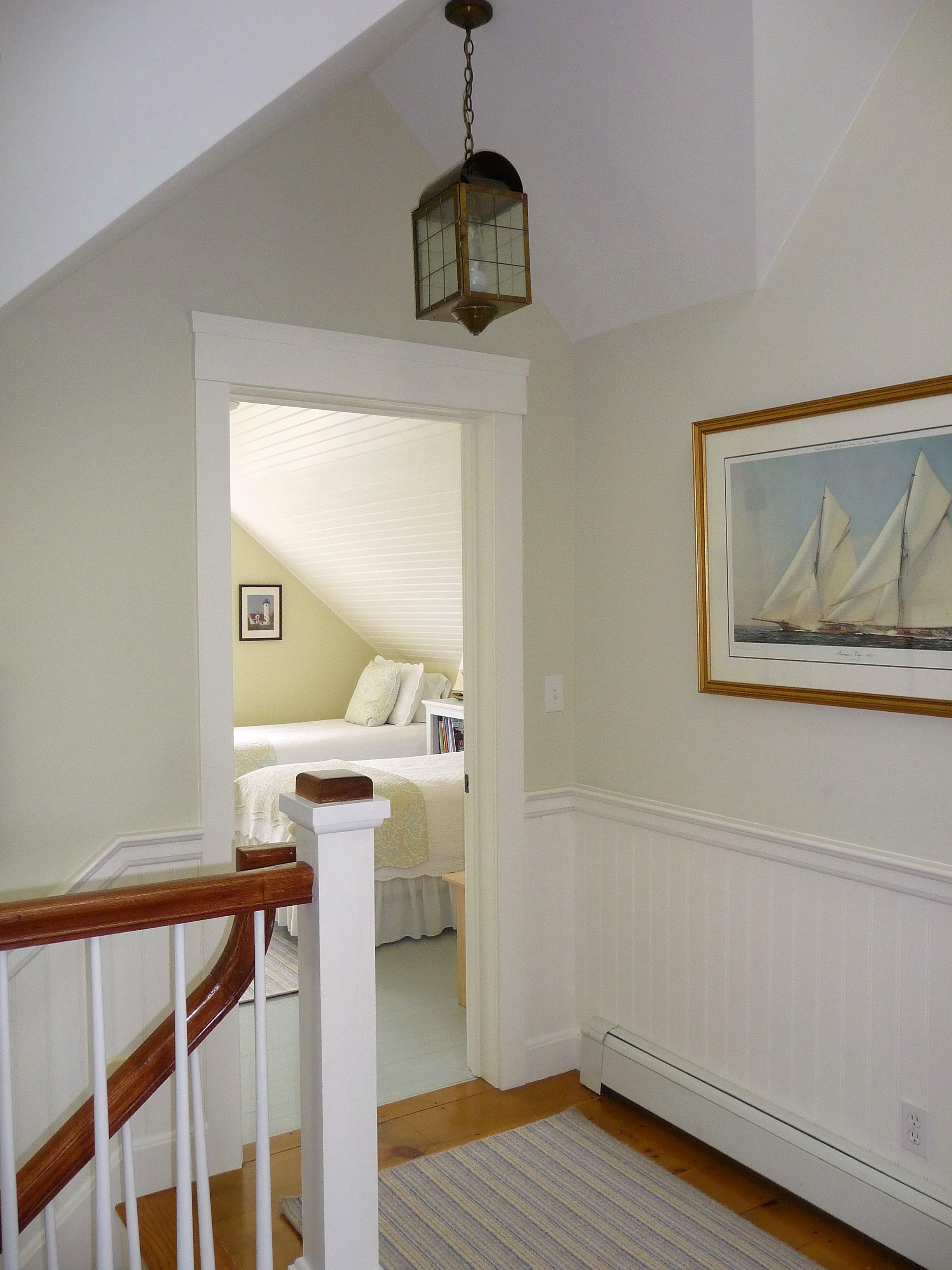 Lantern_Chandelier_Stairwell_Vaulted_Ceiling.jpg