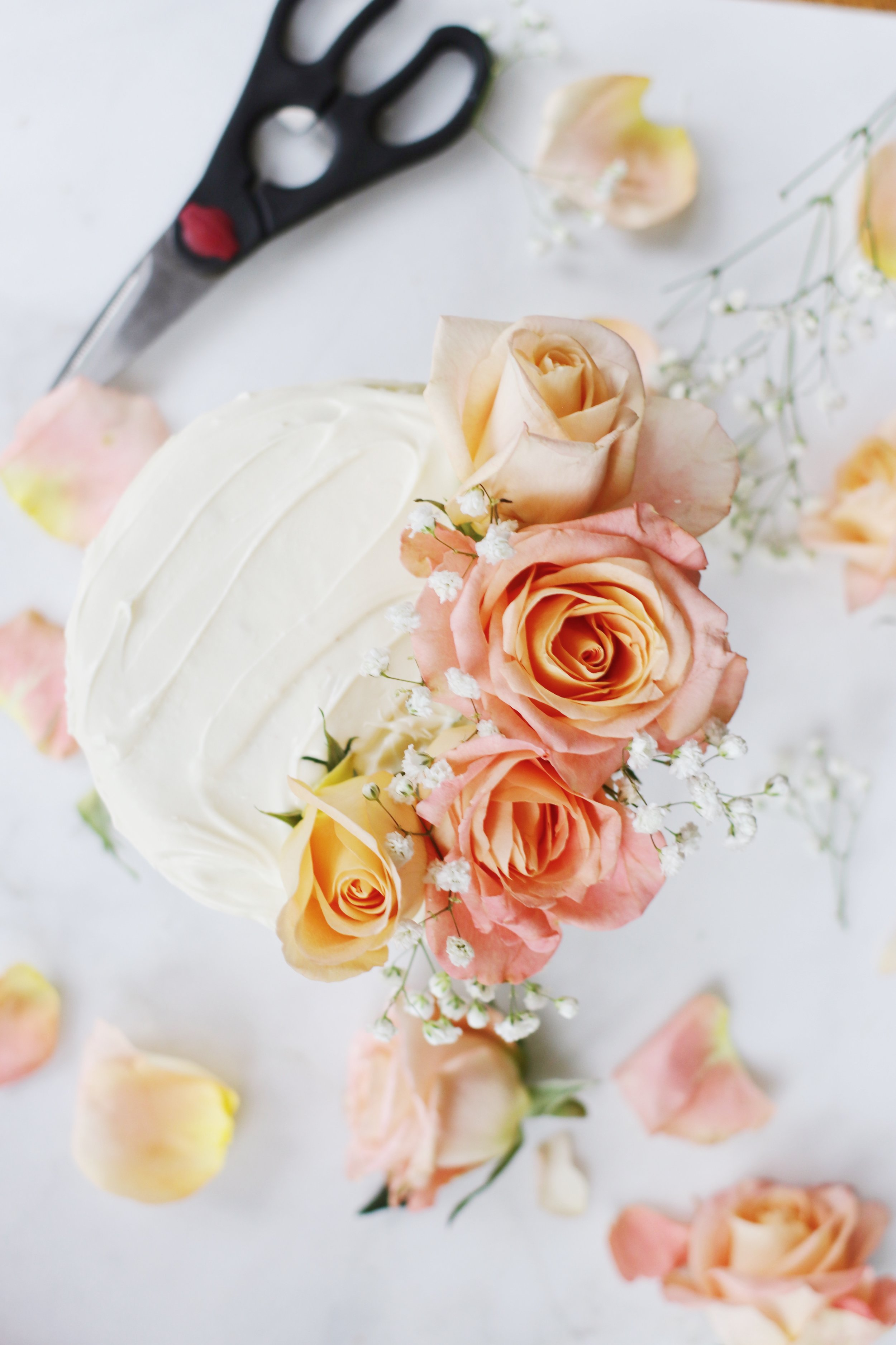 ombre-valentines-cake-flowers-11