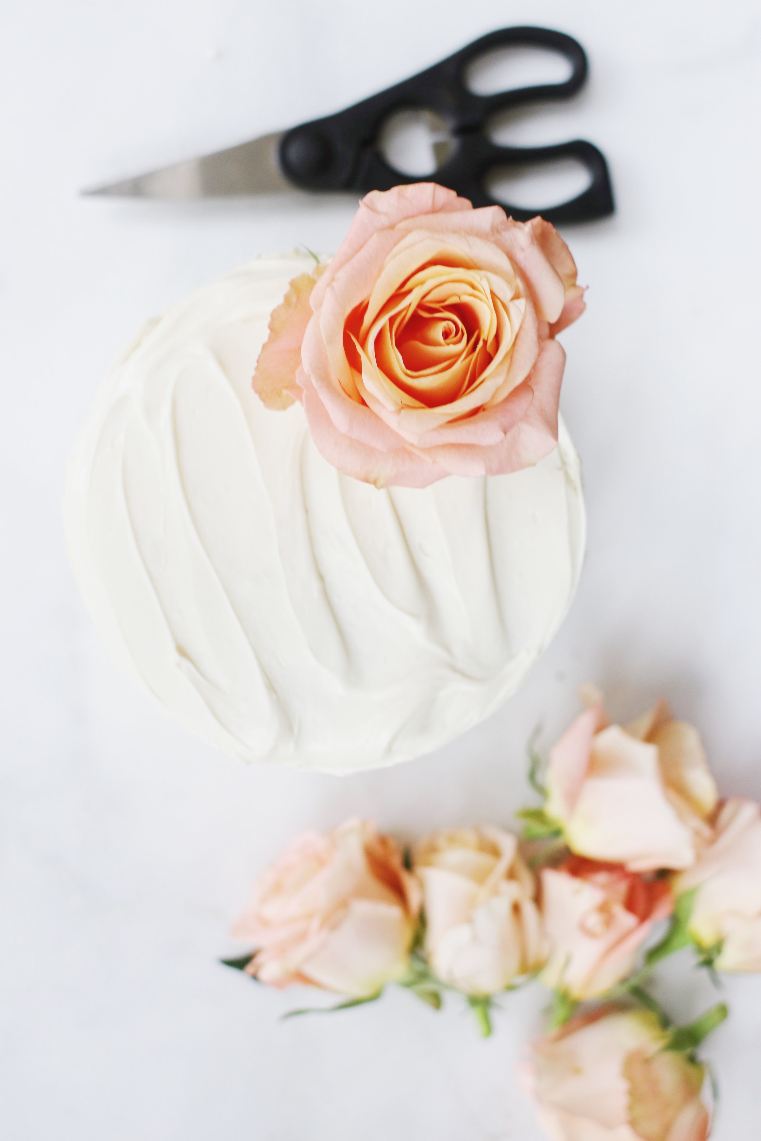 ombre-valentines-cake-flowers-24