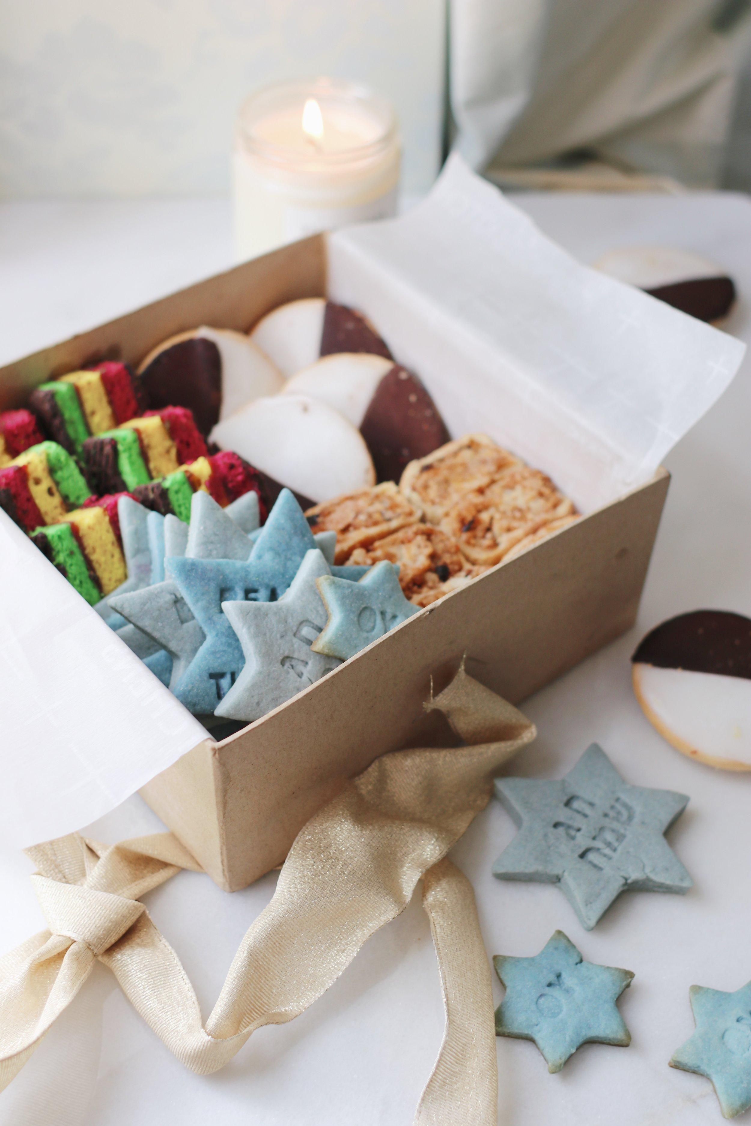 holiday-cookie-box-hanukkah-cookies-27.JPG