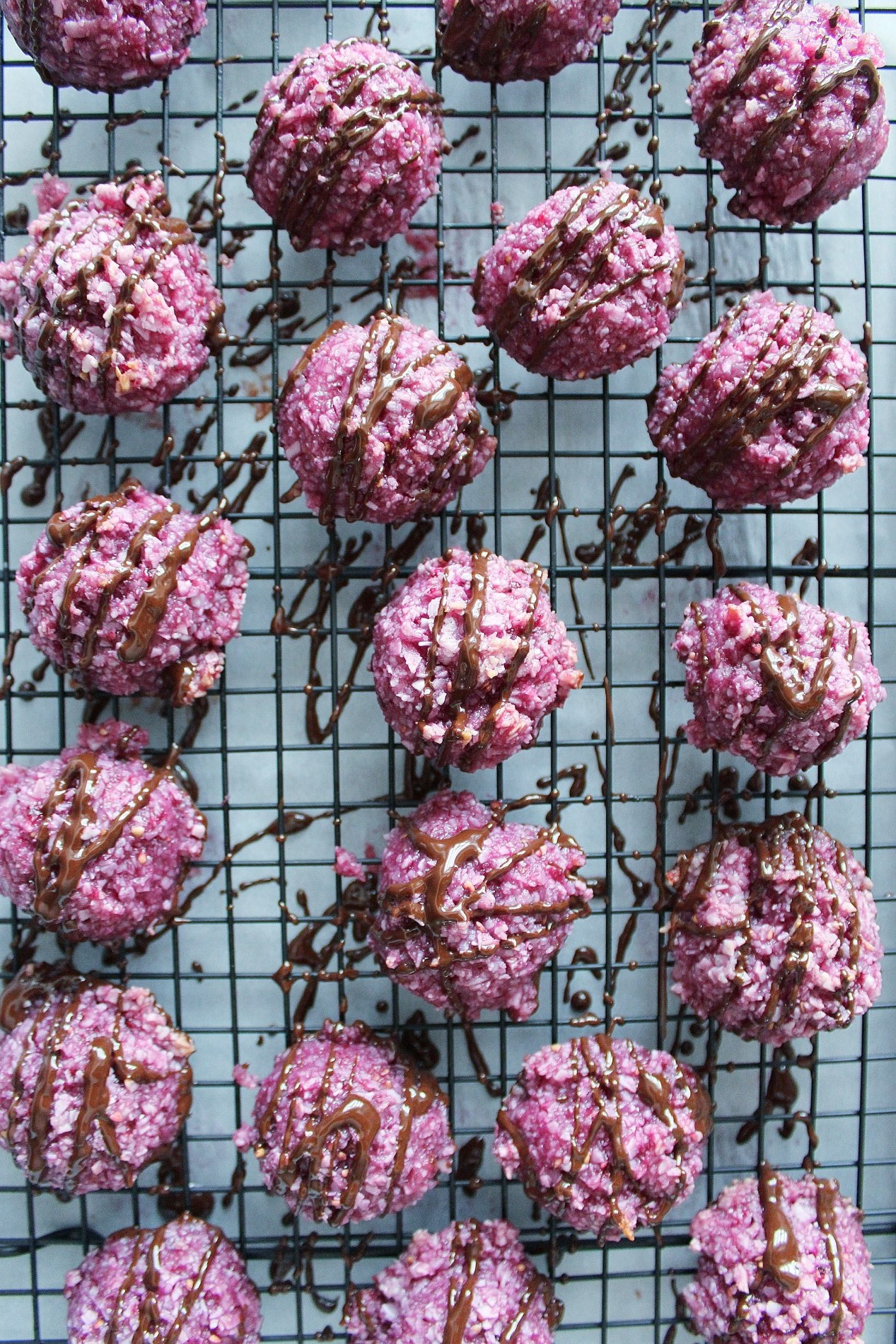coconut-blackberry-dark-chocolate-macaroons.jpeg