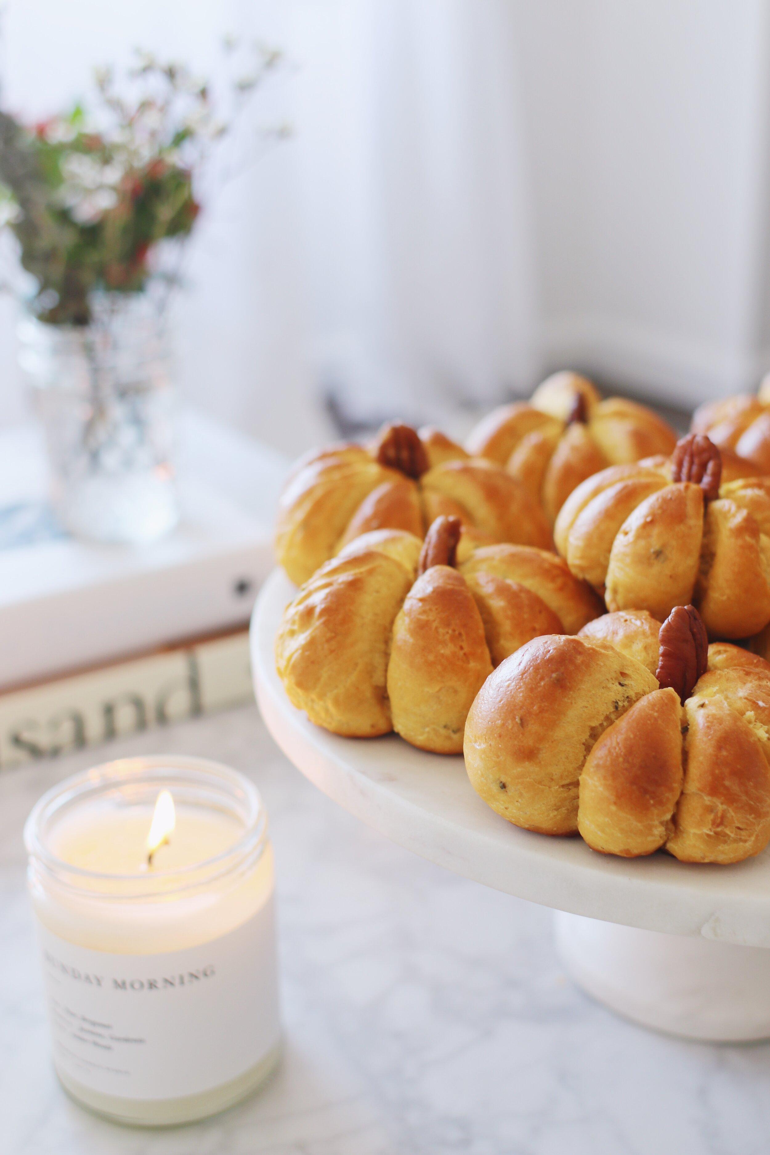 best-pumpkin-challah-recipe-pumpkin-dinner-rolls-14.JPG