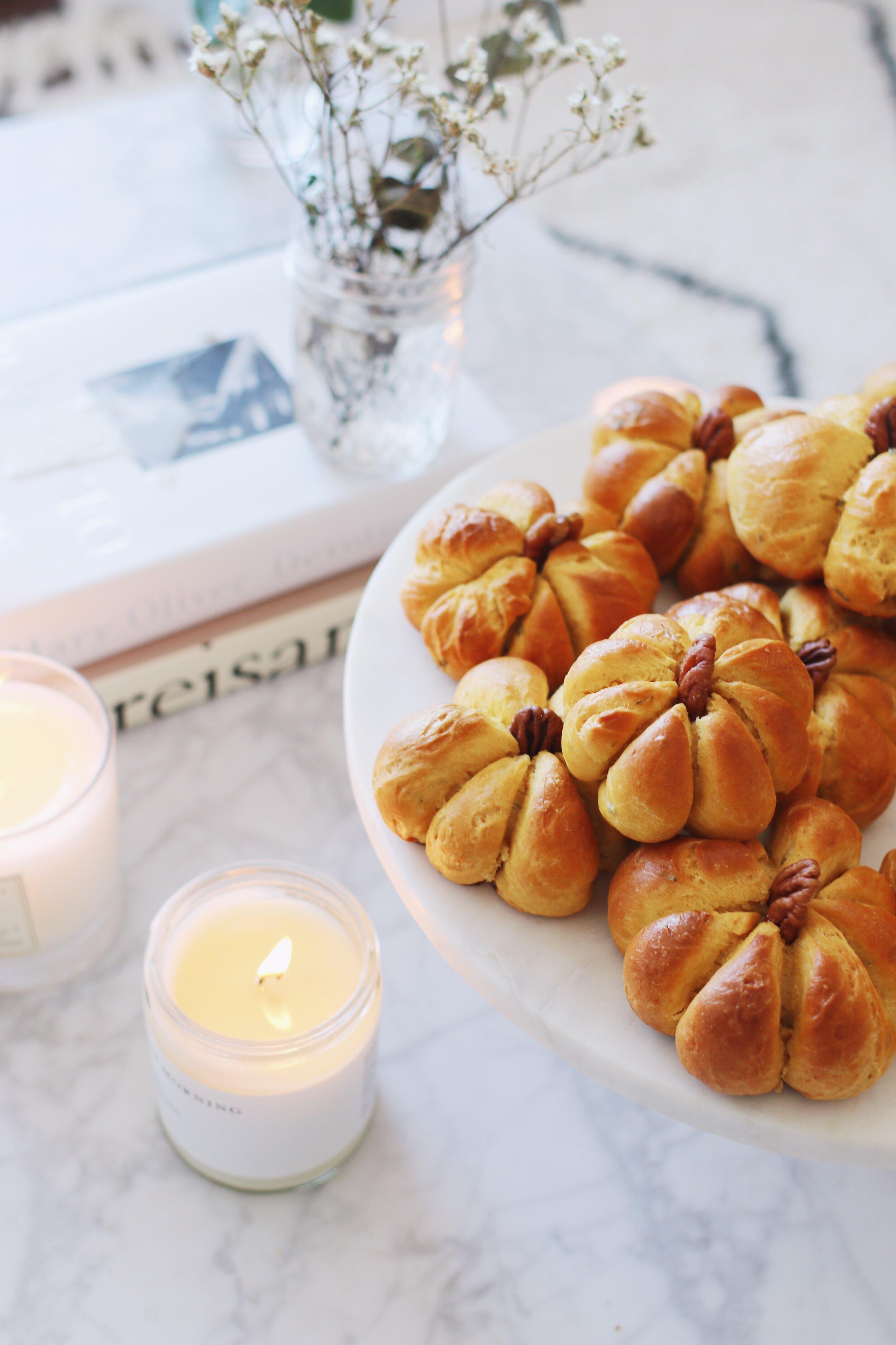 best-pumpkin-challah-recipe-pumpkin-dinner-rolls-18.JPG