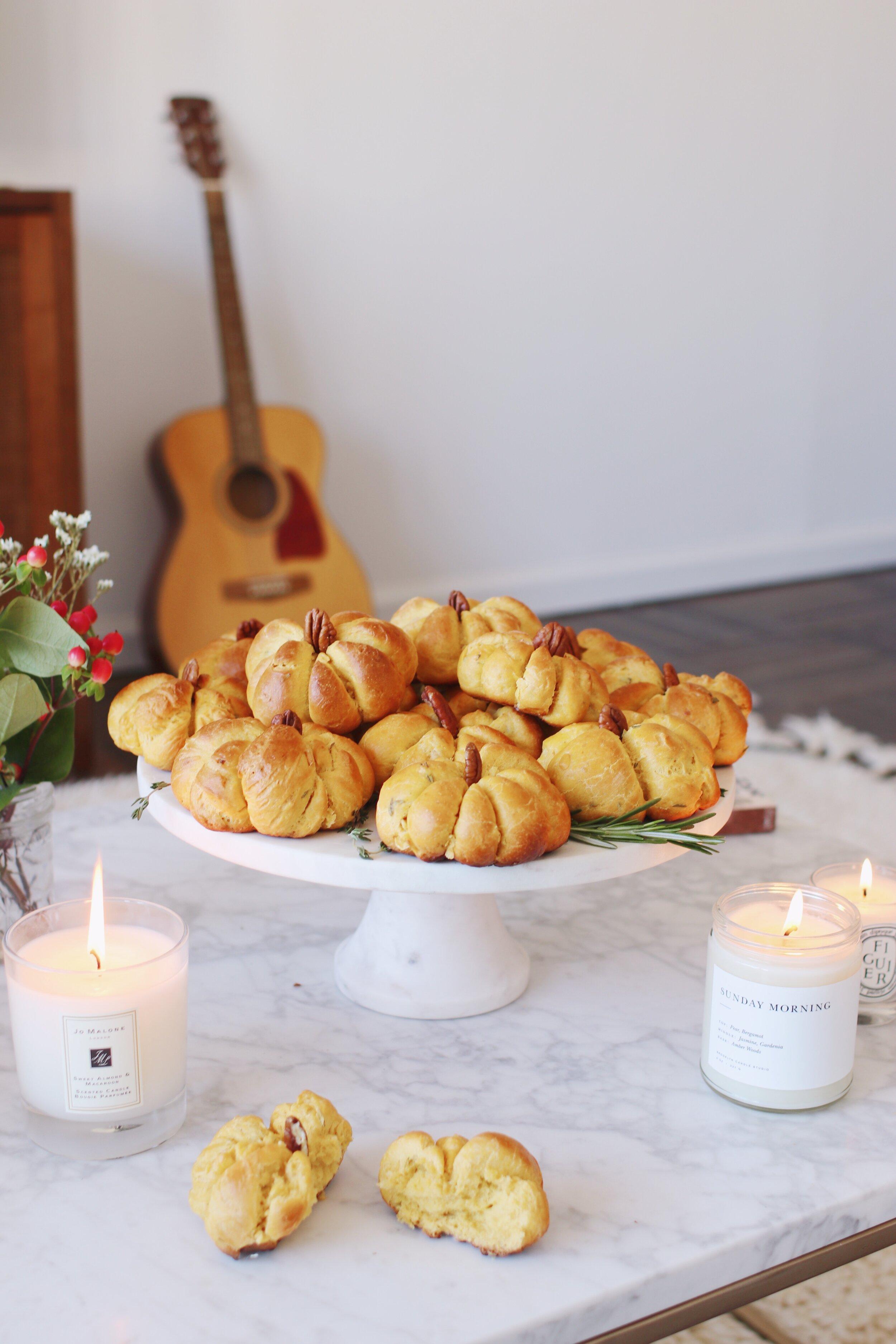best-pumpkin-challah-recipe-pumpkin-dinner-rolls-20.JPG