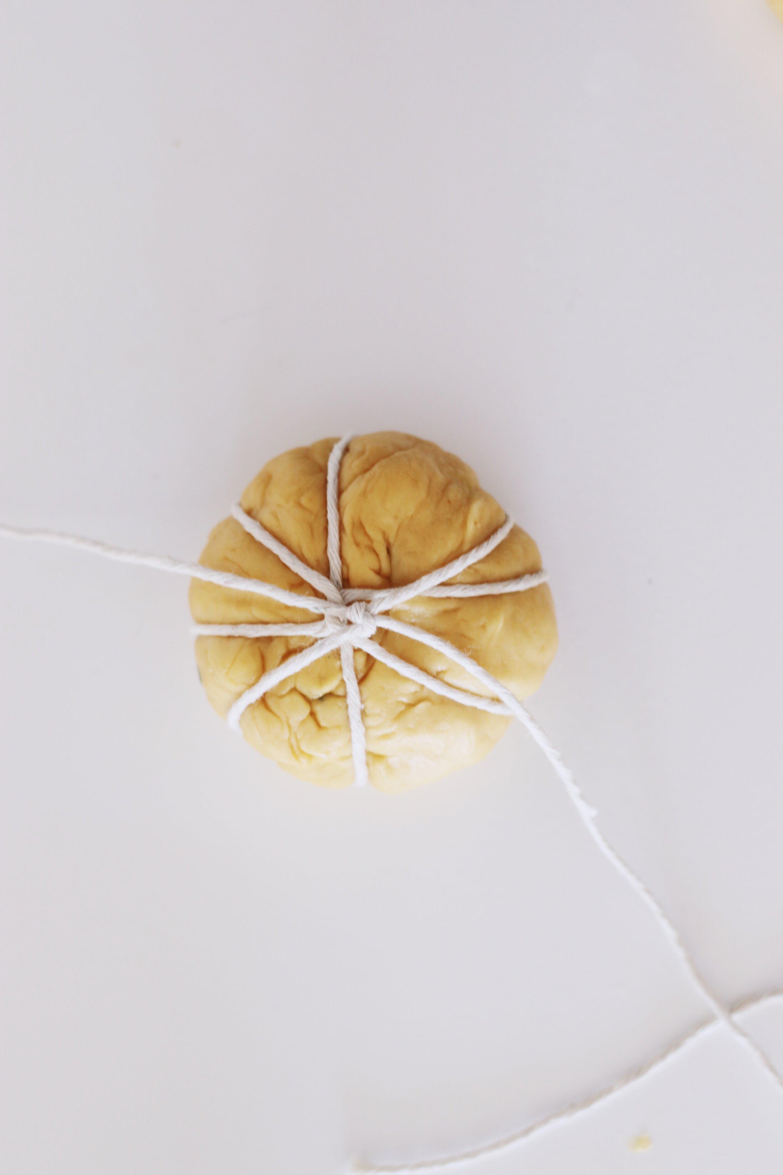 how-to-make-pumpkin-challah-rolls-398.JPG