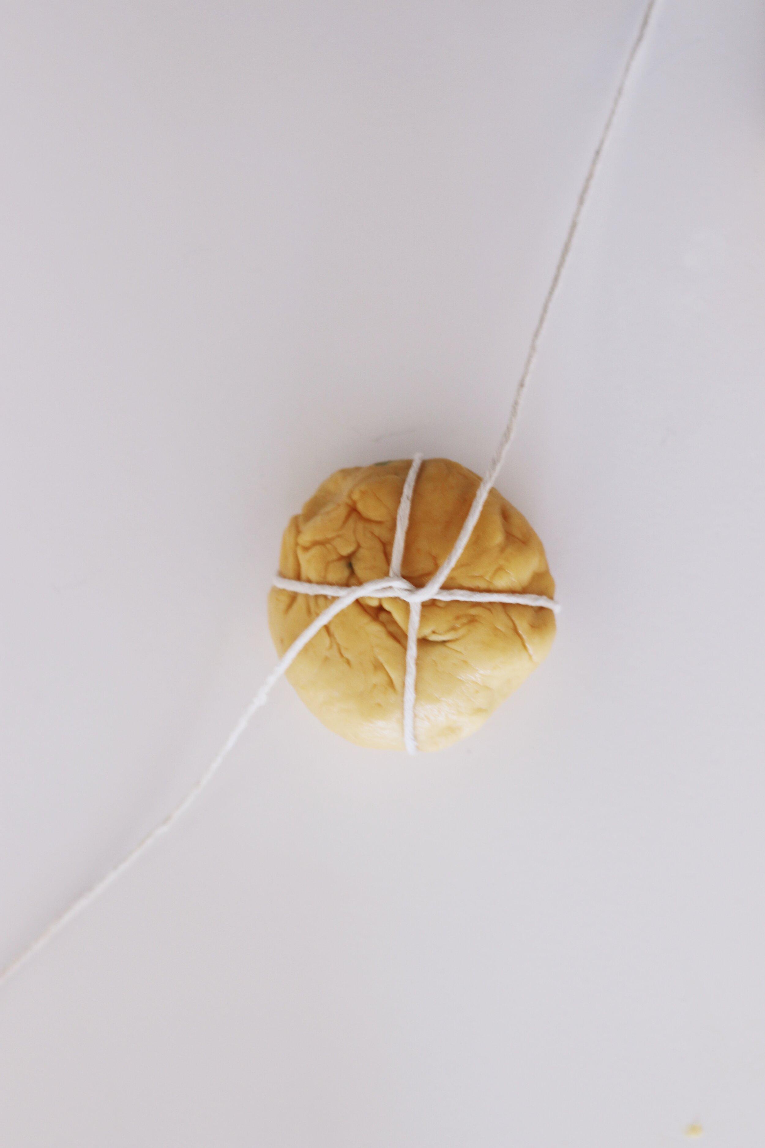 how-to-make-pumpkin-challah-rolls-048934.JPG