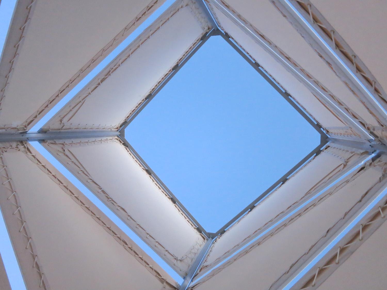 houdinidesign_ARCHITECTS_Winnepeg_Warming_Hut_Canvas_Modern_Shelter_03.jpg