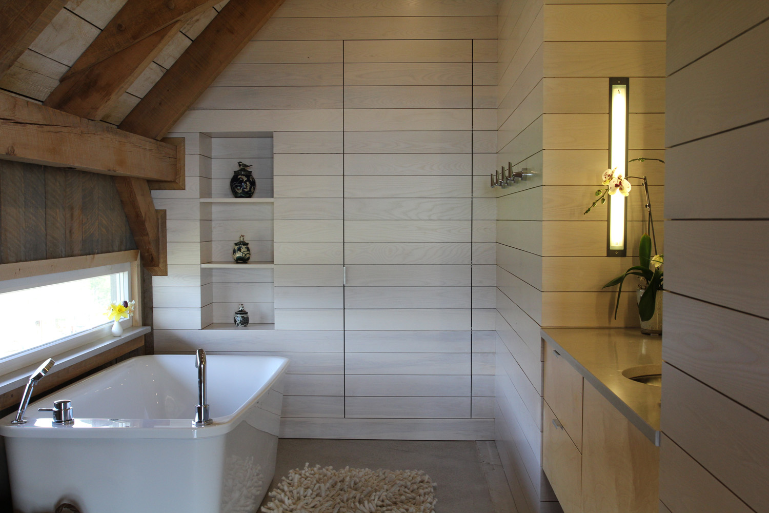 houdinidesign_ARCHITECTS_Ritchie-Gidney_Residence_Sandy-Cove_Digby_Acadian_Timber_Frame_Modern_Renovation_Modern_Bathroom.jpg