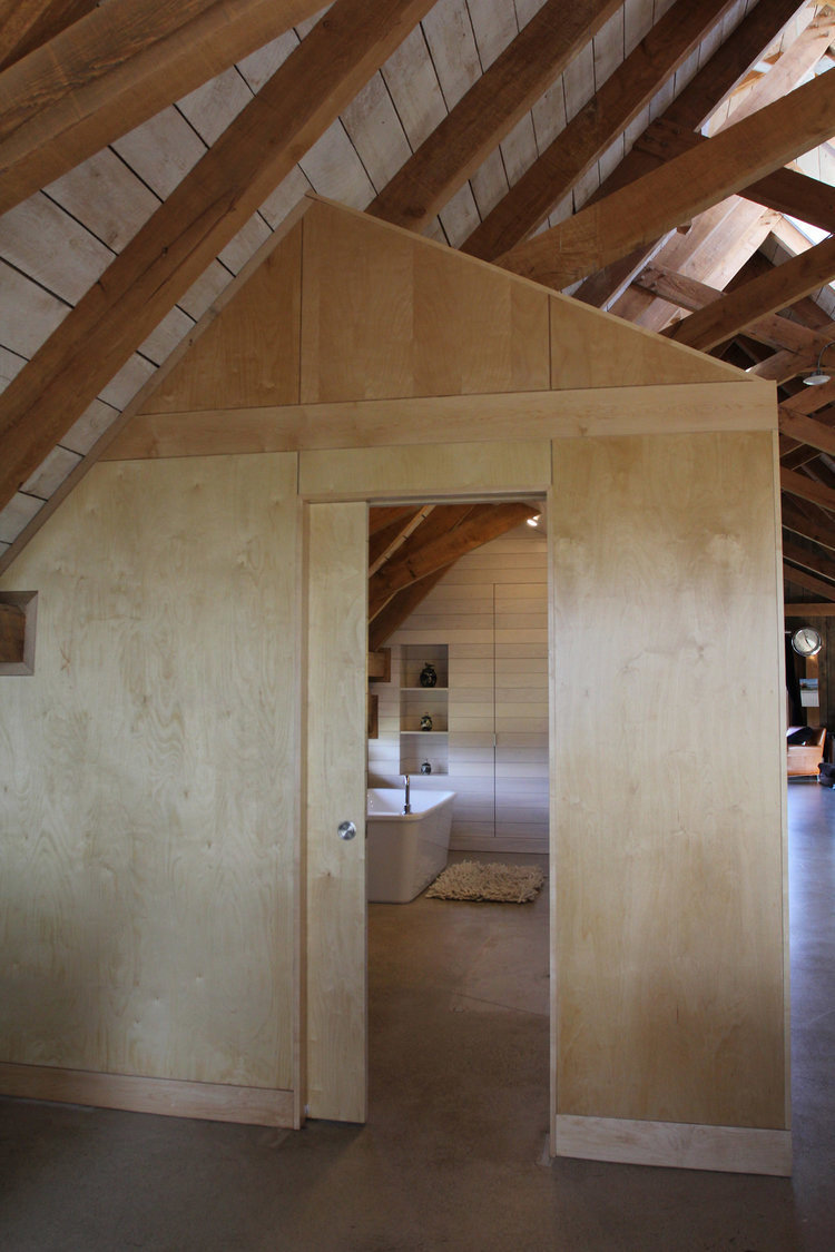 houdinidesign_ARCHITECTS_Ritchie-Gidney_Residence_Sandy-Cove_Digby_Acadian+Timber_Frame_Modern_Renovation_Washroom_Entrance_02.jpg