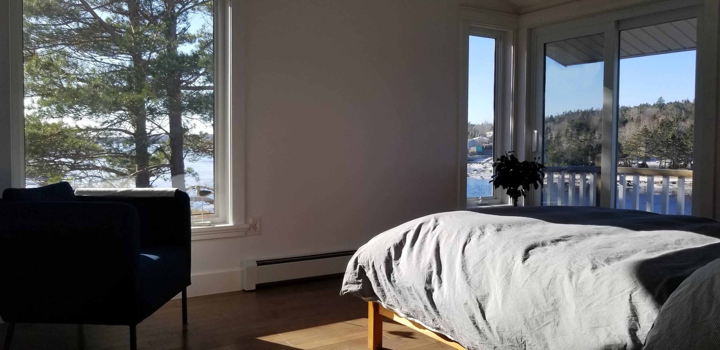 houdinidesign_ARCHITECTS_Bernier-Burton-Residence_Renovation_Bedroom_01.jpg