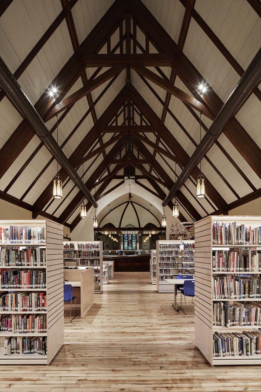 houdinidesign_ARCHITECTS_Kentville Library_Kentville_Annapolis Valley_Adaptive_Reuse_Church_Renovation_Aisle_01.jpg