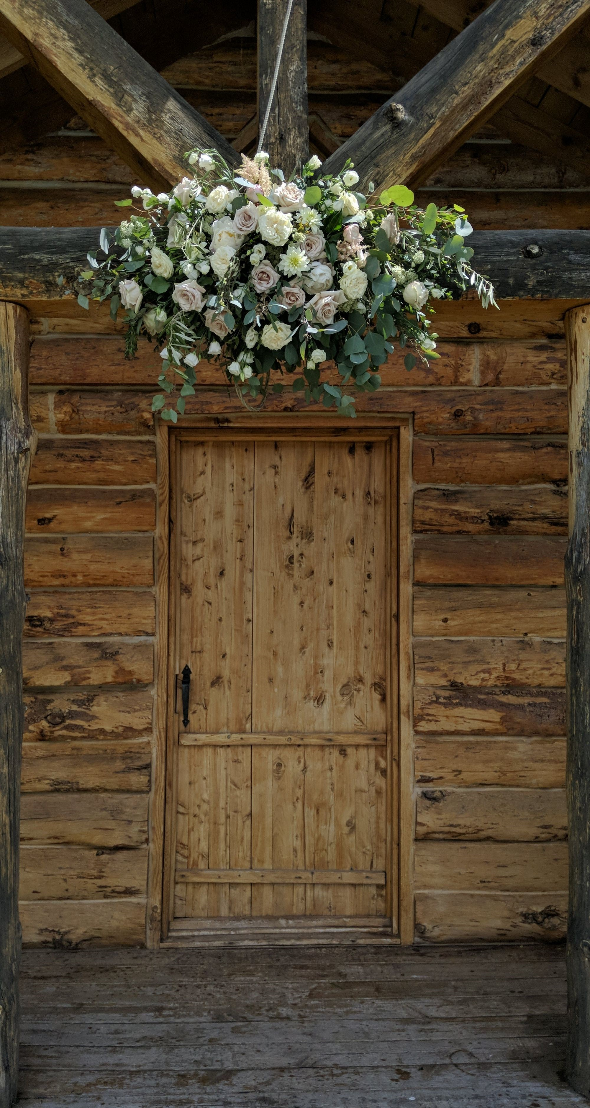 floral / kayly shae floral design   venue / besler's cadillac ranch