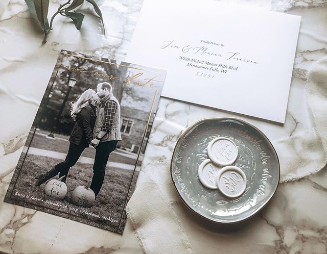A little #foilfriday for you up in here. I can't wait to share this couples wedding invitations. I've just started receiving pieces and I'm really really excited about the direction this couple is going. . . Wedding Planning & Coordination: @vowsandveilsweddings  Printing: @catprint_llc