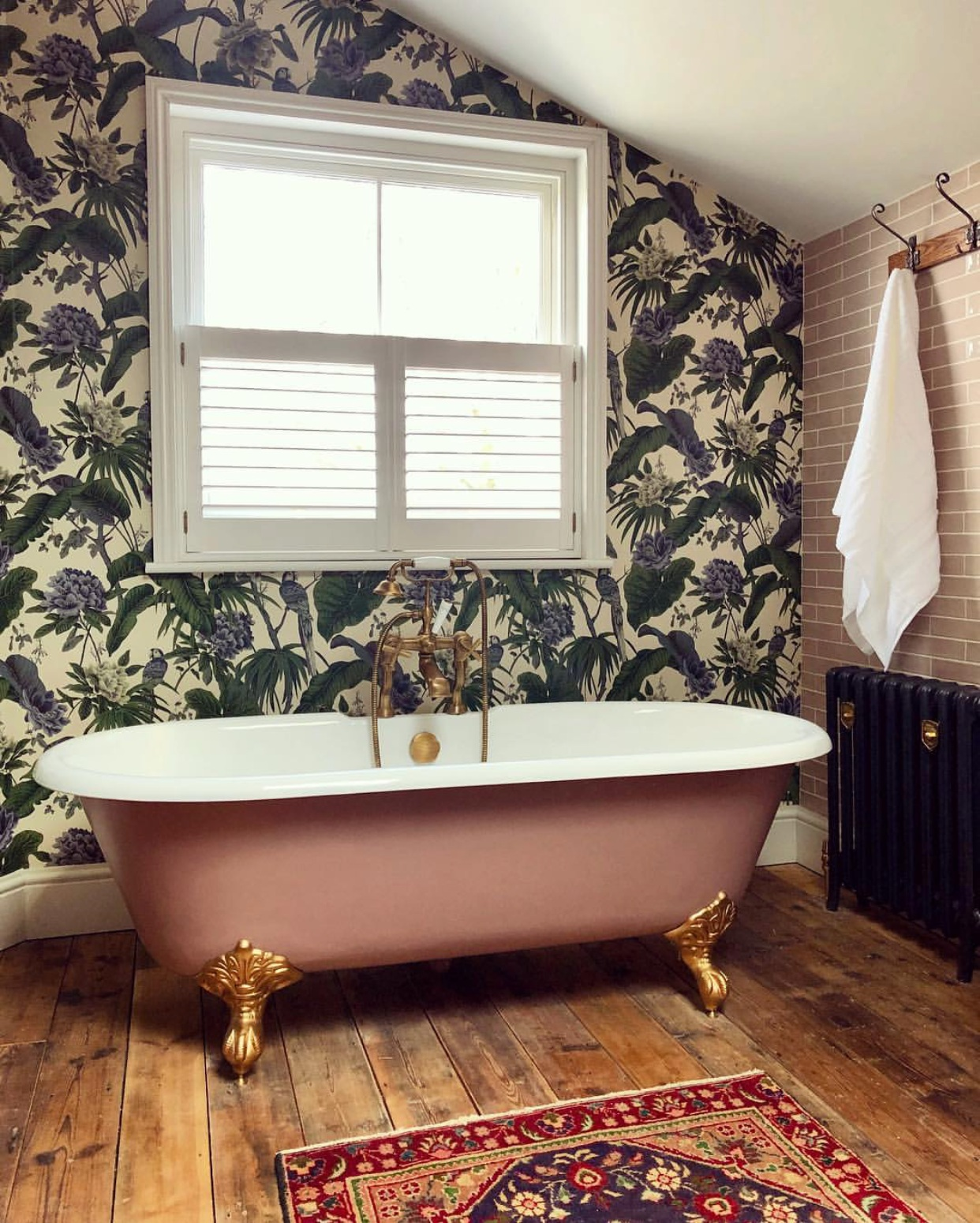 Example of cafe style shutters from  @renovation_wreck