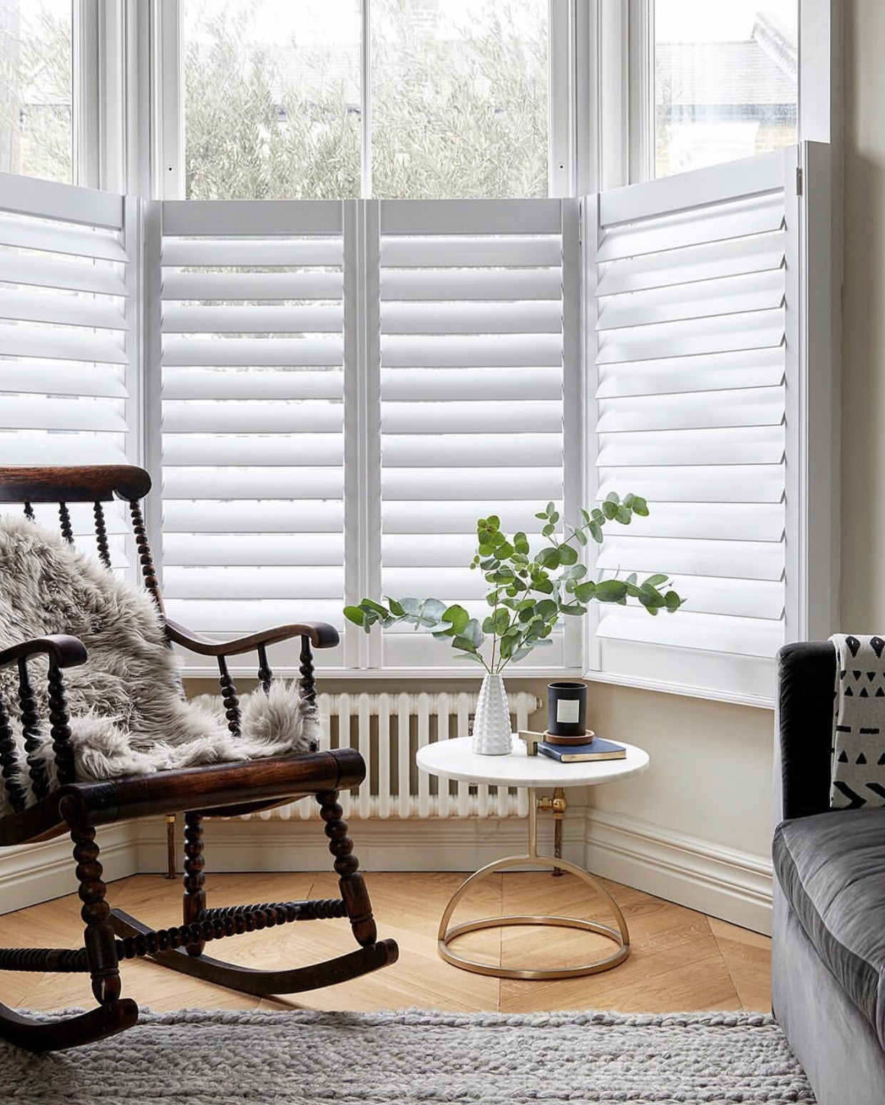 Example of cafe style shutters from  @rebecca.wakefield   www.studiofortnum.com