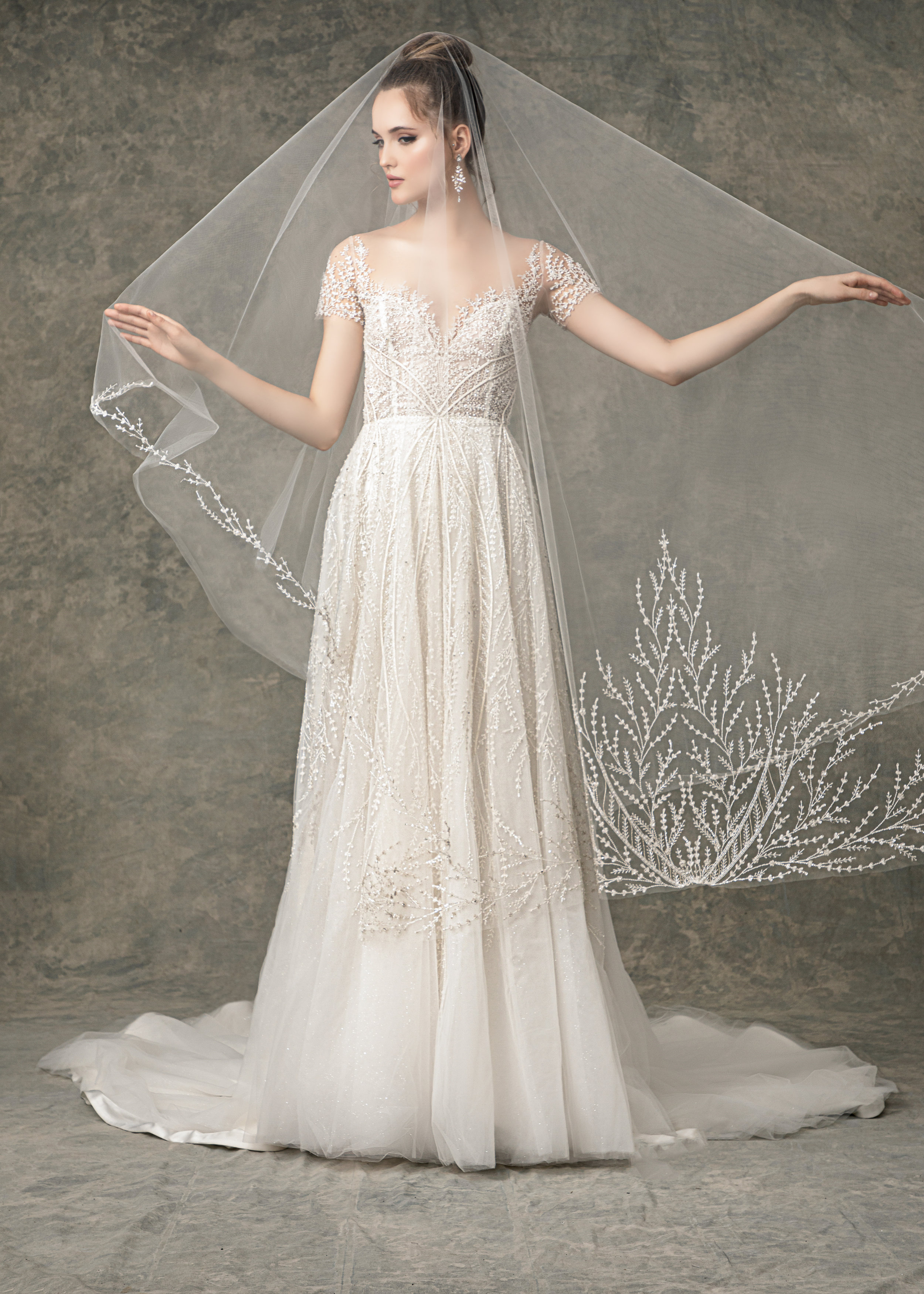 "WITH MATCHING VEIL STYLE BV1925 FROM "" BLOSSOM VEILS """