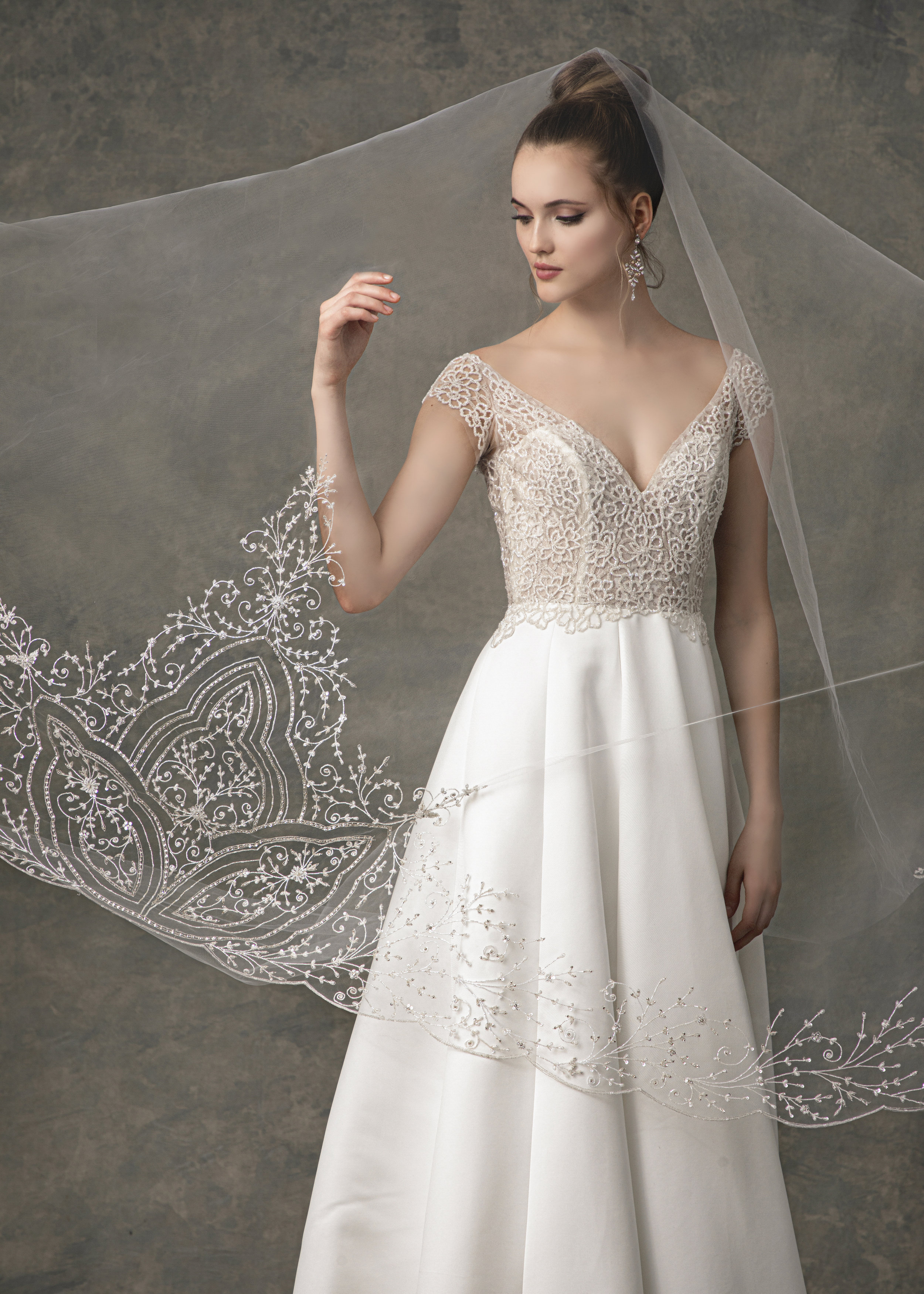 "WITH MATCHING VEIL STYLE BV1915 FROM "" BLOSSOM VEILS """