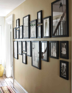 The center line gives this gallery wall a very clean-cut feel.
