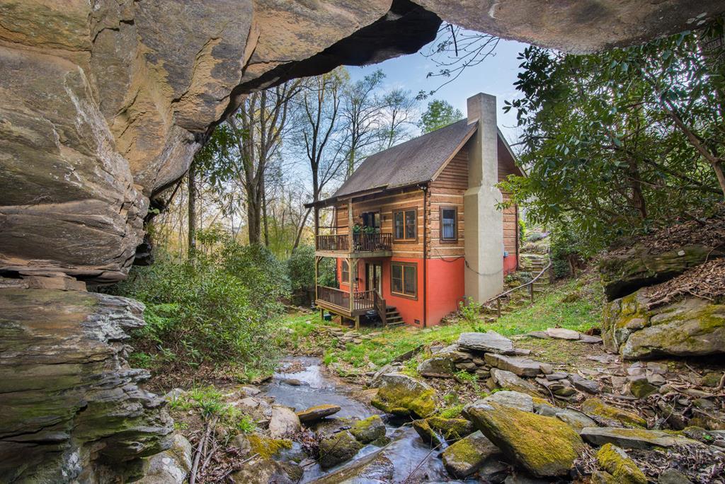 Waterfall lodge