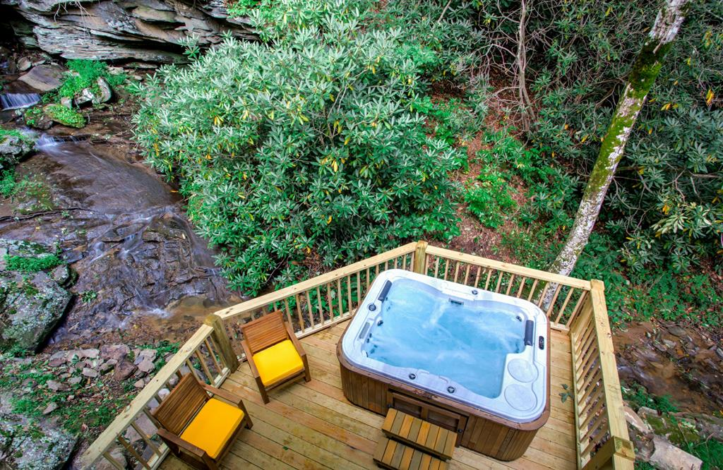 Waterfall Private hot tub!