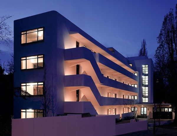 Isokon-and-the-Bauhaus-in-Britain.png
