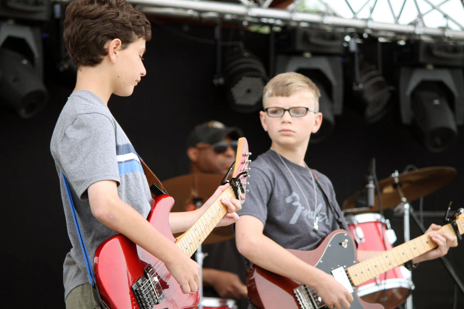 Rock Concerts - Who doesn't want to be a rock star? Students meet, rehearse, and then perform songs of their choice (Imagine Dragons, Led Zeppelin, Carrie Underwood…). Venues have included the Milwaukee Ale House, Mo's Irish Pub, Tosa Fest, Hart Fest, Anodyne Coffee, Tosa Fourth of July Parade and more.