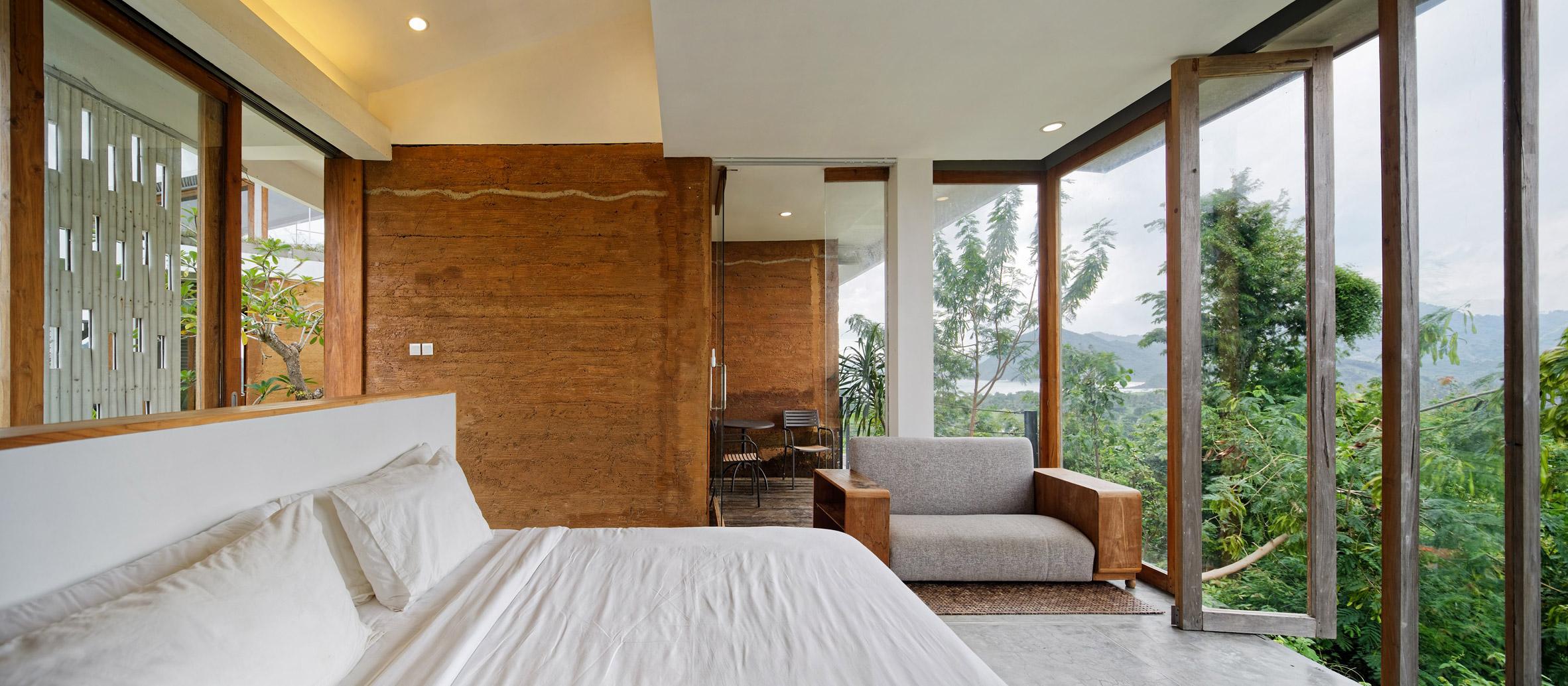 clay-house-budi-pradono-architects-architecture_dezeen_2364_col_18.jpg