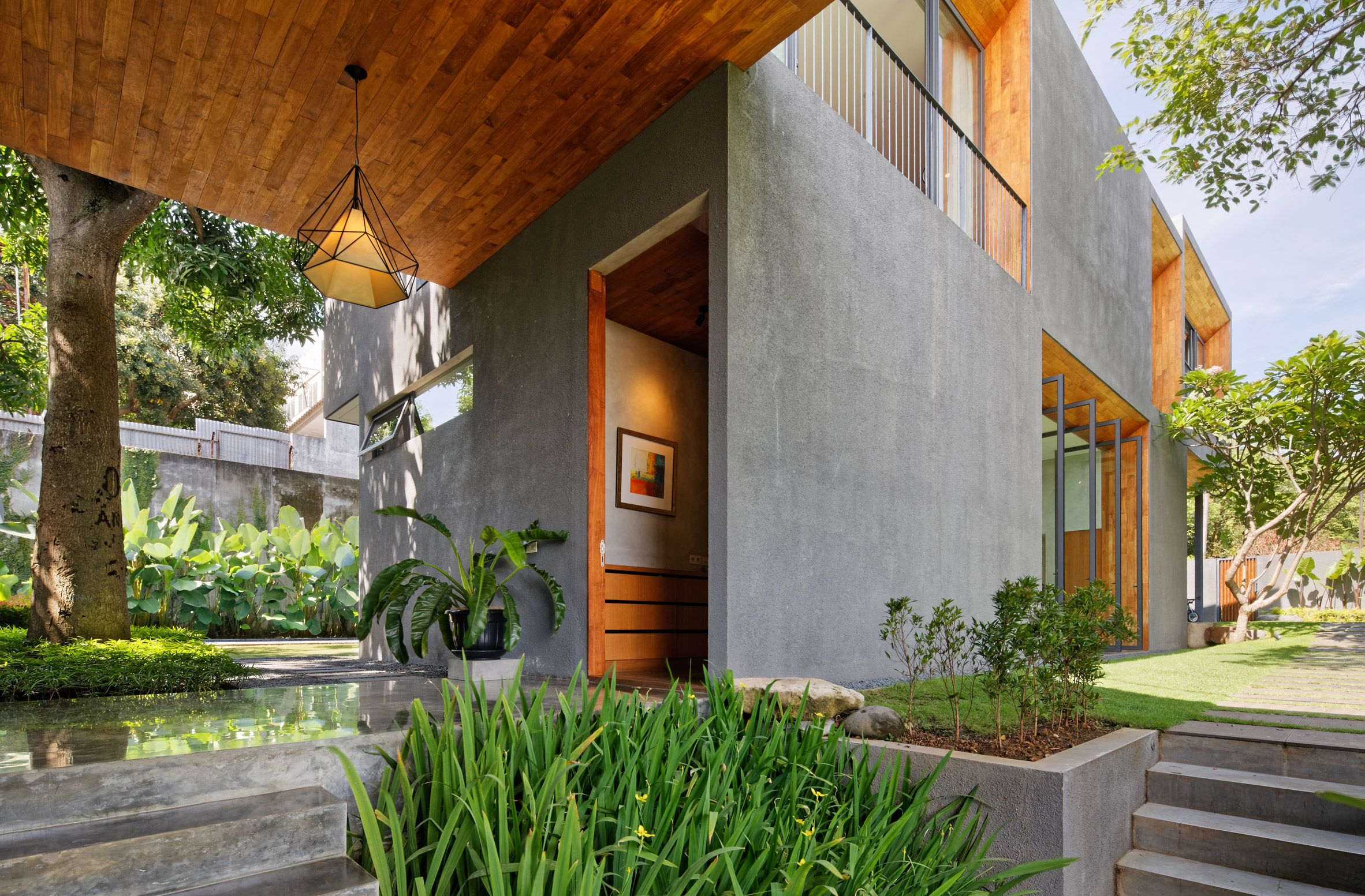 house-inside-outside-tamara-wibowo-architecture-residential-indonesia_dezeen_2364_col_11.jpg