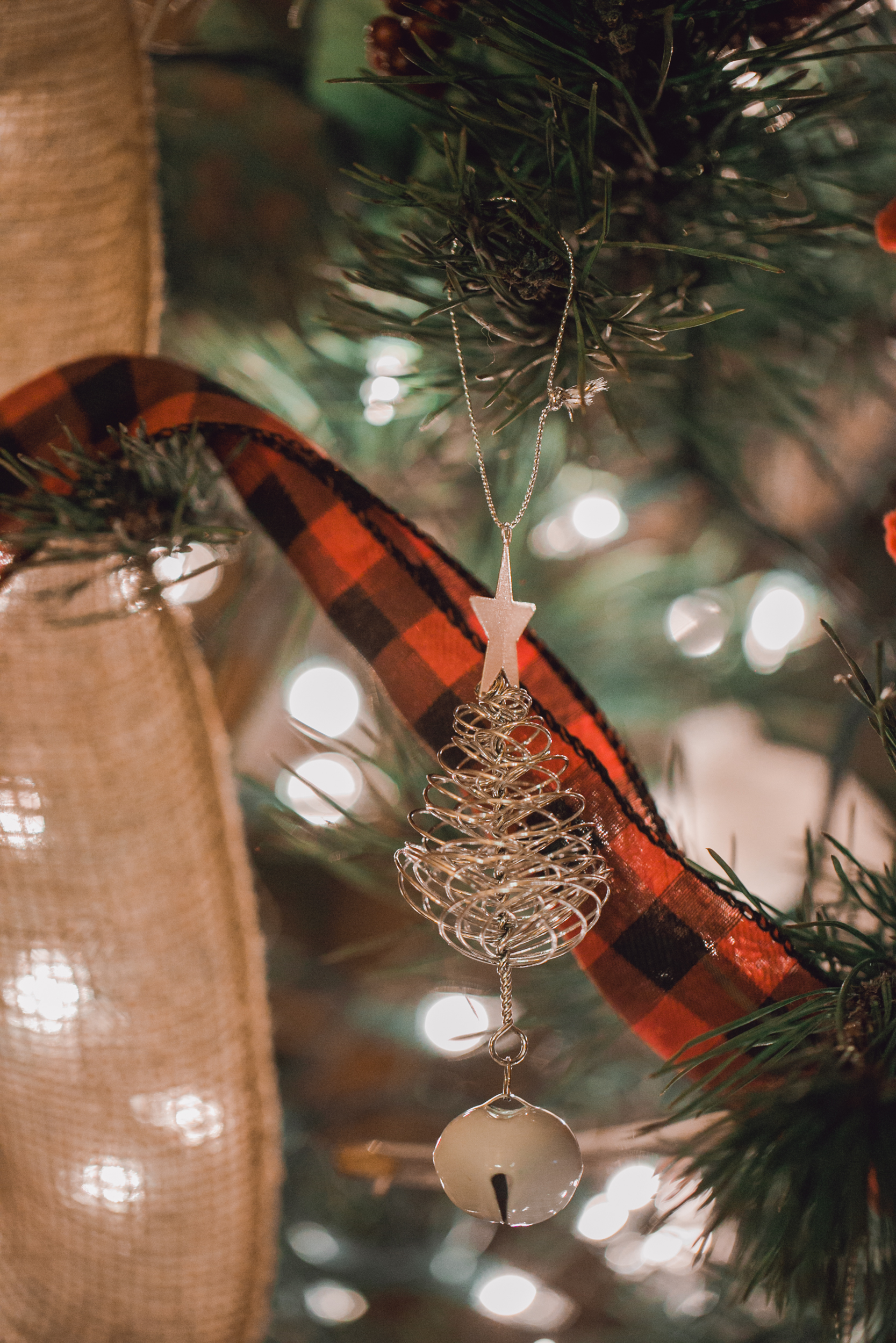 10 tips for surviving the holidays after losing a loved one to suicide -www.rachelsmak.com2.jpg