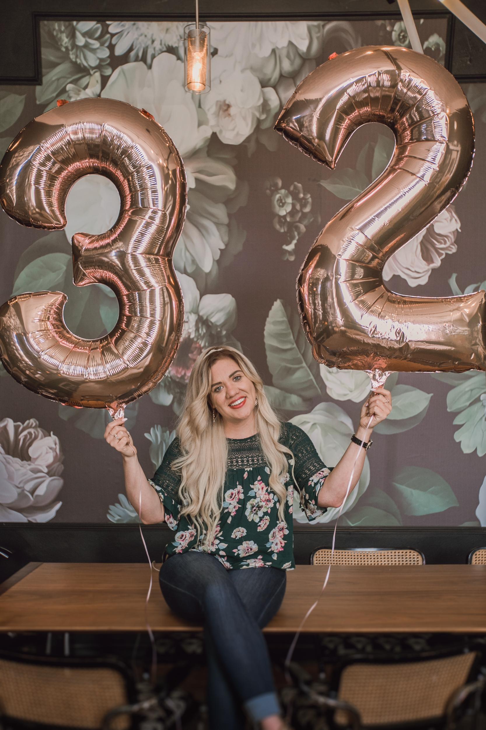 32 things i would tell my younger self, birthday shoot with number ballons, number balloons, rose gold number ballons-www.rachelsmak.com7.jpg