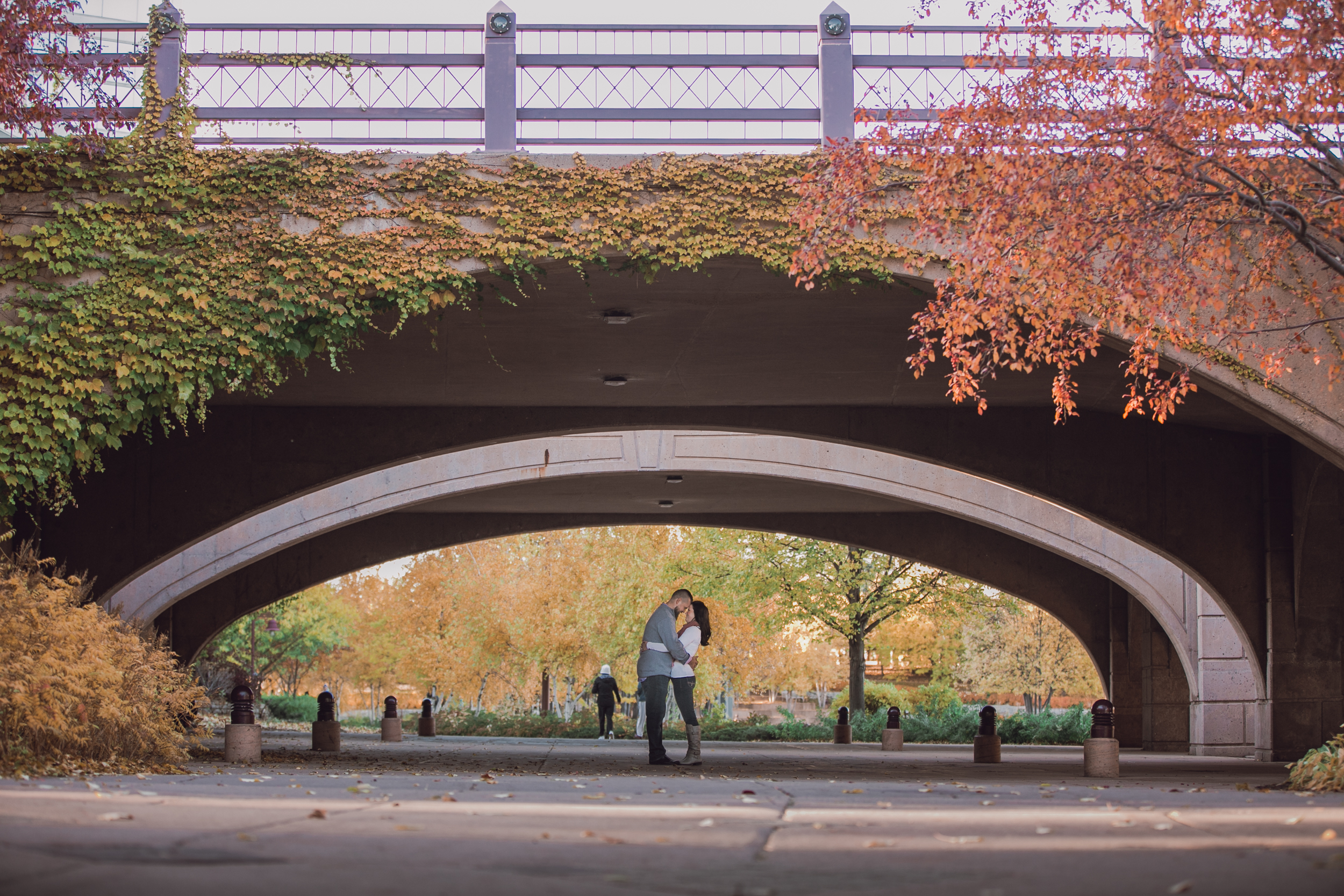 centennial-lakes-mn-fall-engagement-session