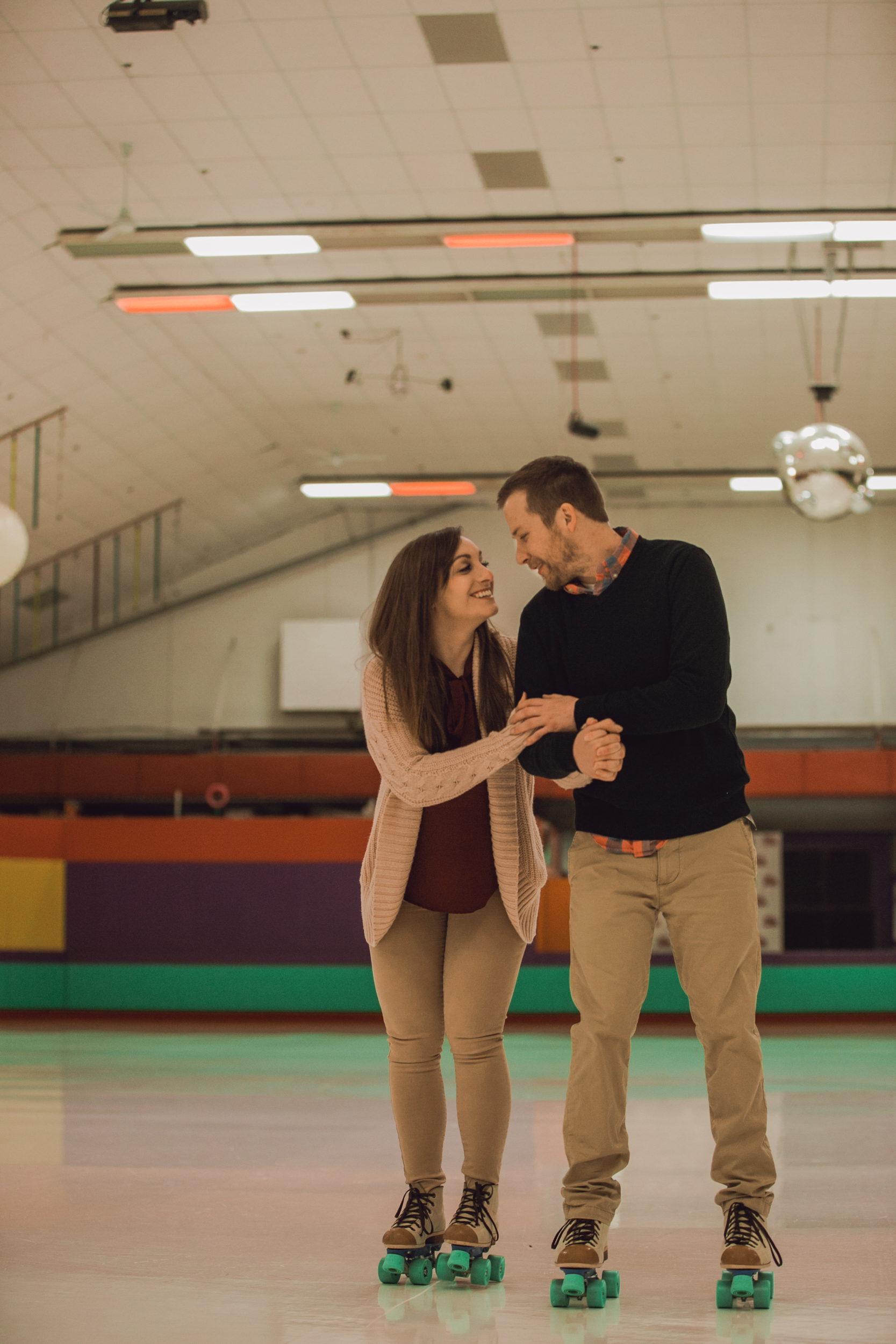 roller rink engagement session, wooddale fun zone engagement session, roller skate engagement session, minneapolis cafe lucrat engagment session, cafe lucrat engagement session, minneapolis minnesota engagement session-www.rachelsmak.com12.jpg