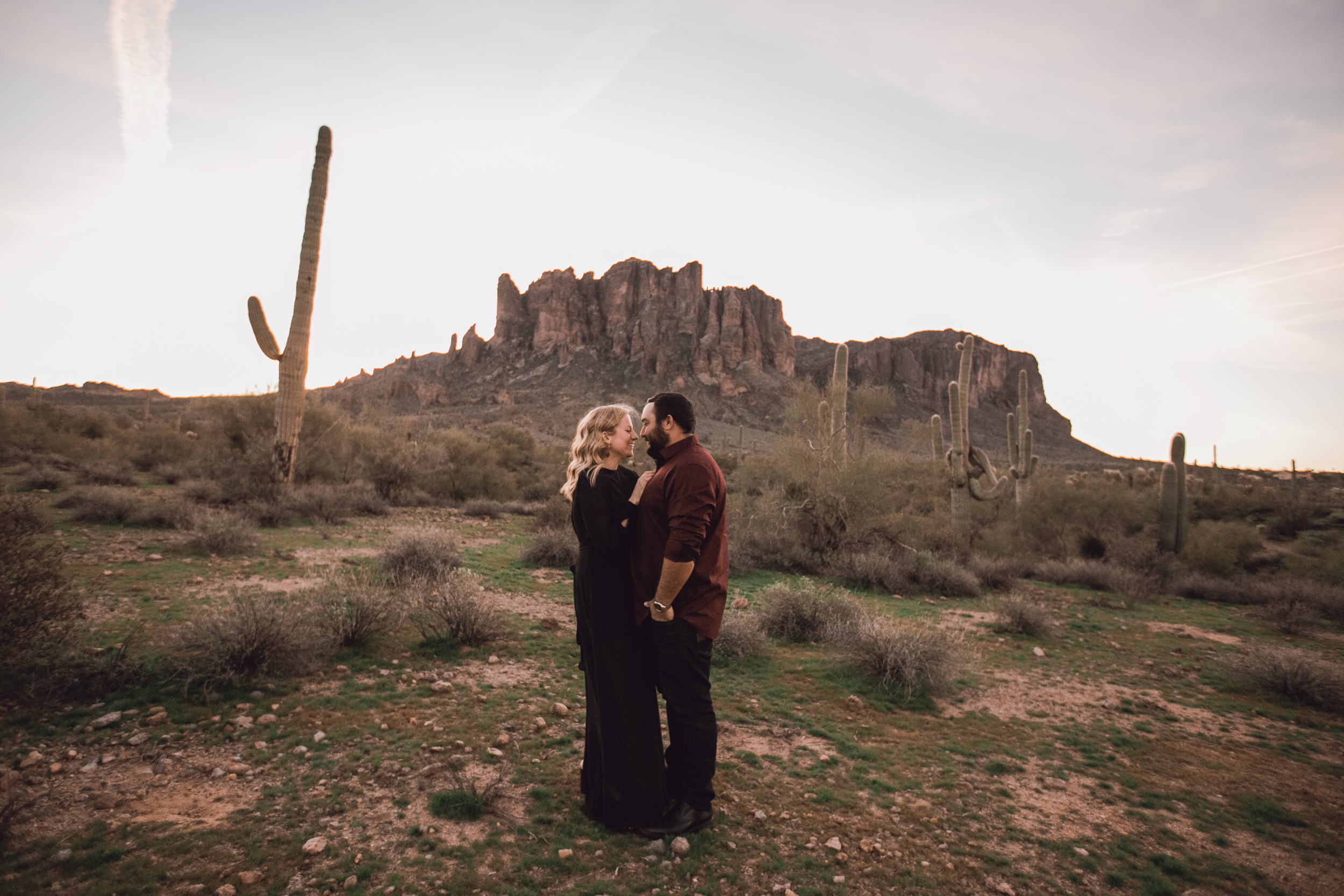 superstition mountain, superstition mountain engagement session, phoenix engagement session, arizona engagement photographer-1.jpg