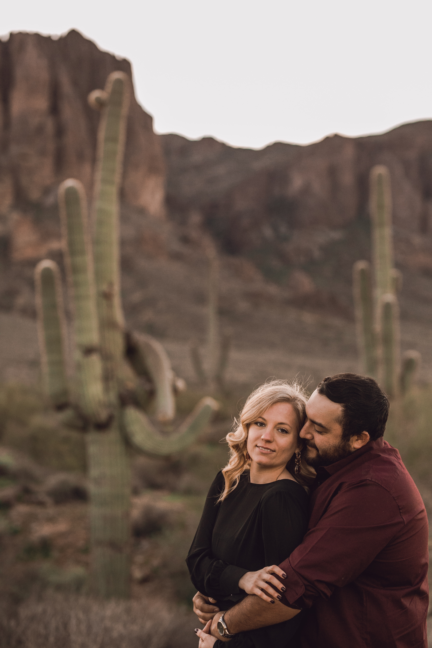superstition mountain, superstition mountain engagement session, phoenix engagement session, arizona engagement photographer-3.jpg
